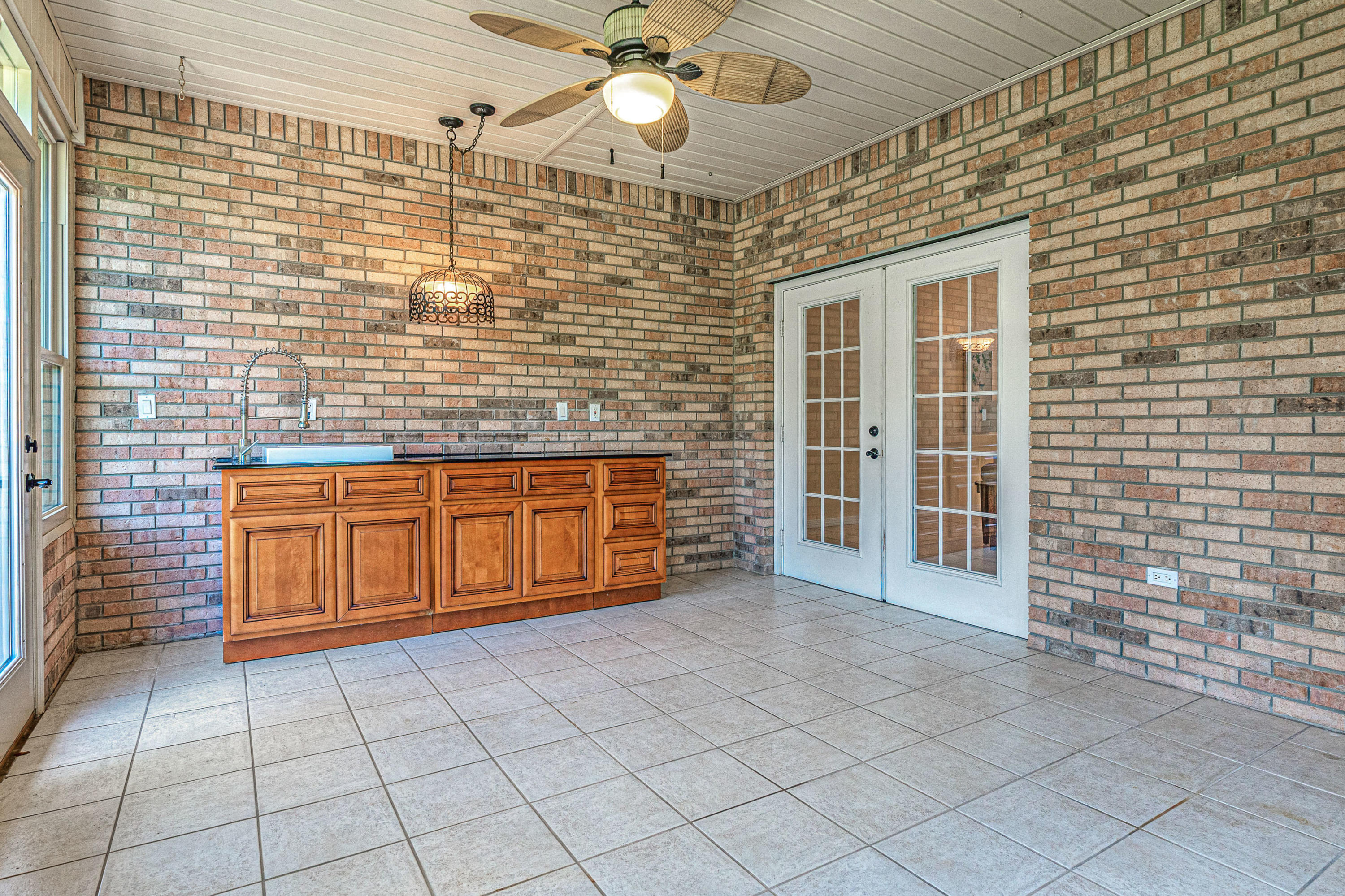 Photo of home for sale at 2446 Knotty Pine, Navarre FL