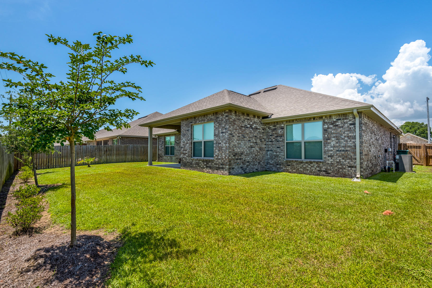 Photo of home for sale at 2392 Cummings, Fort Walton Beach FL