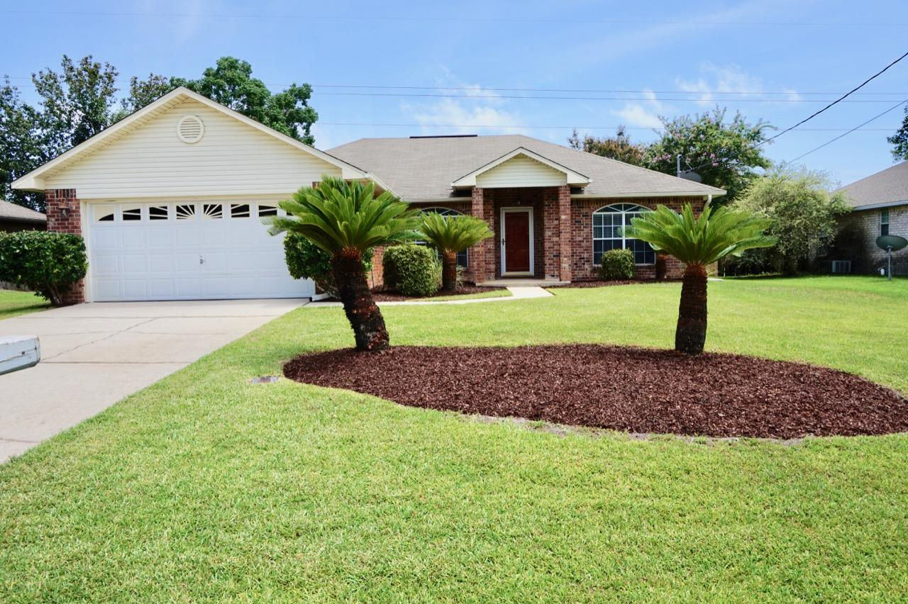 Photo of home for sale at 4955 Elea Calle, Gulf Breeze FL