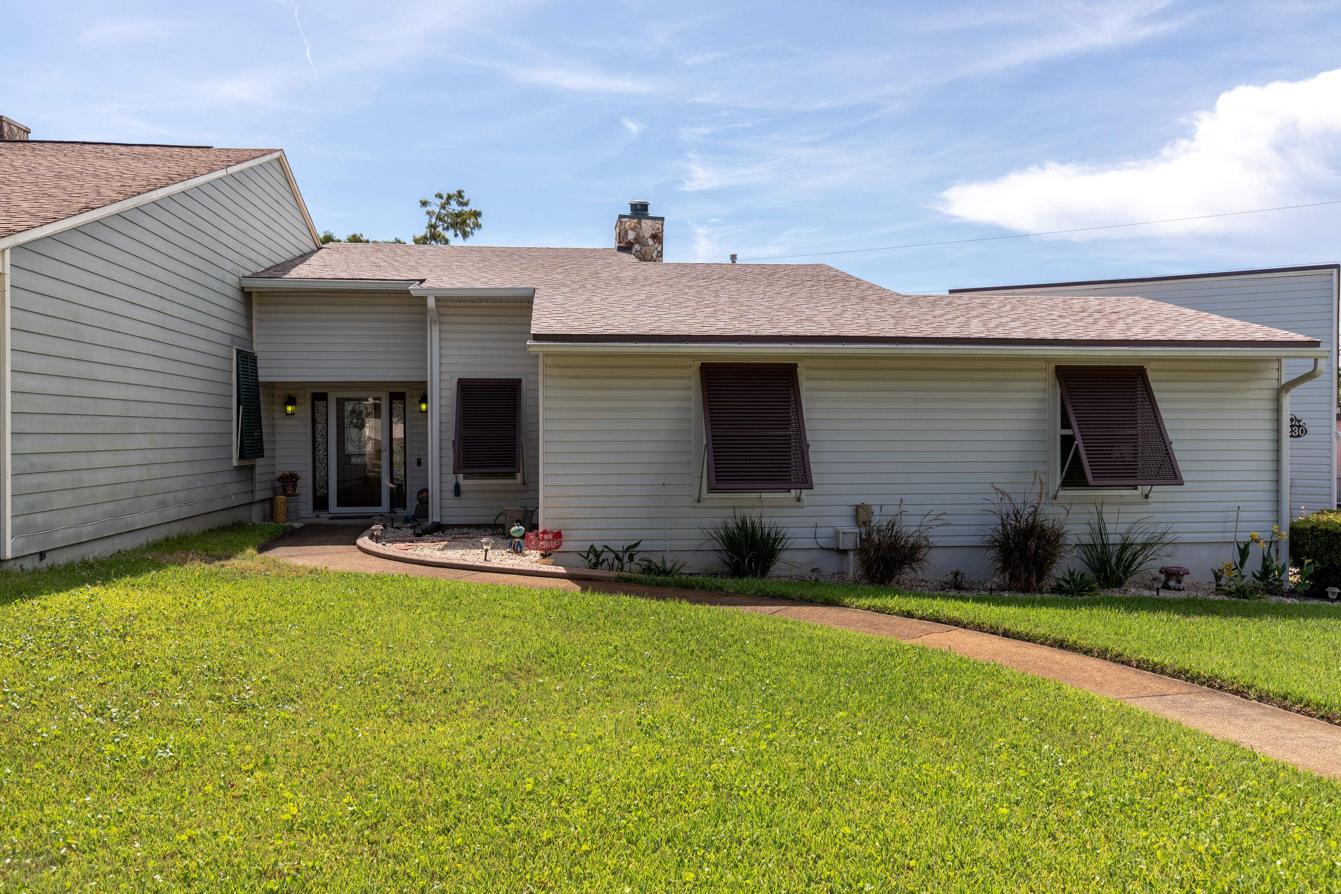 Photo of home for sale at 230 Thomas, Fort Walton Beach FL