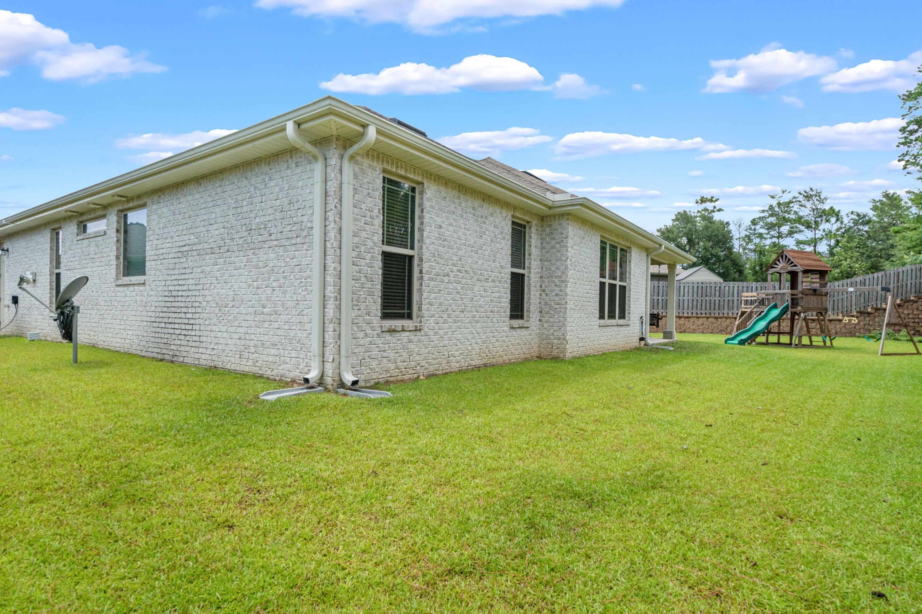 Photo of home for sale at 244 Gracie, Niceville FL
