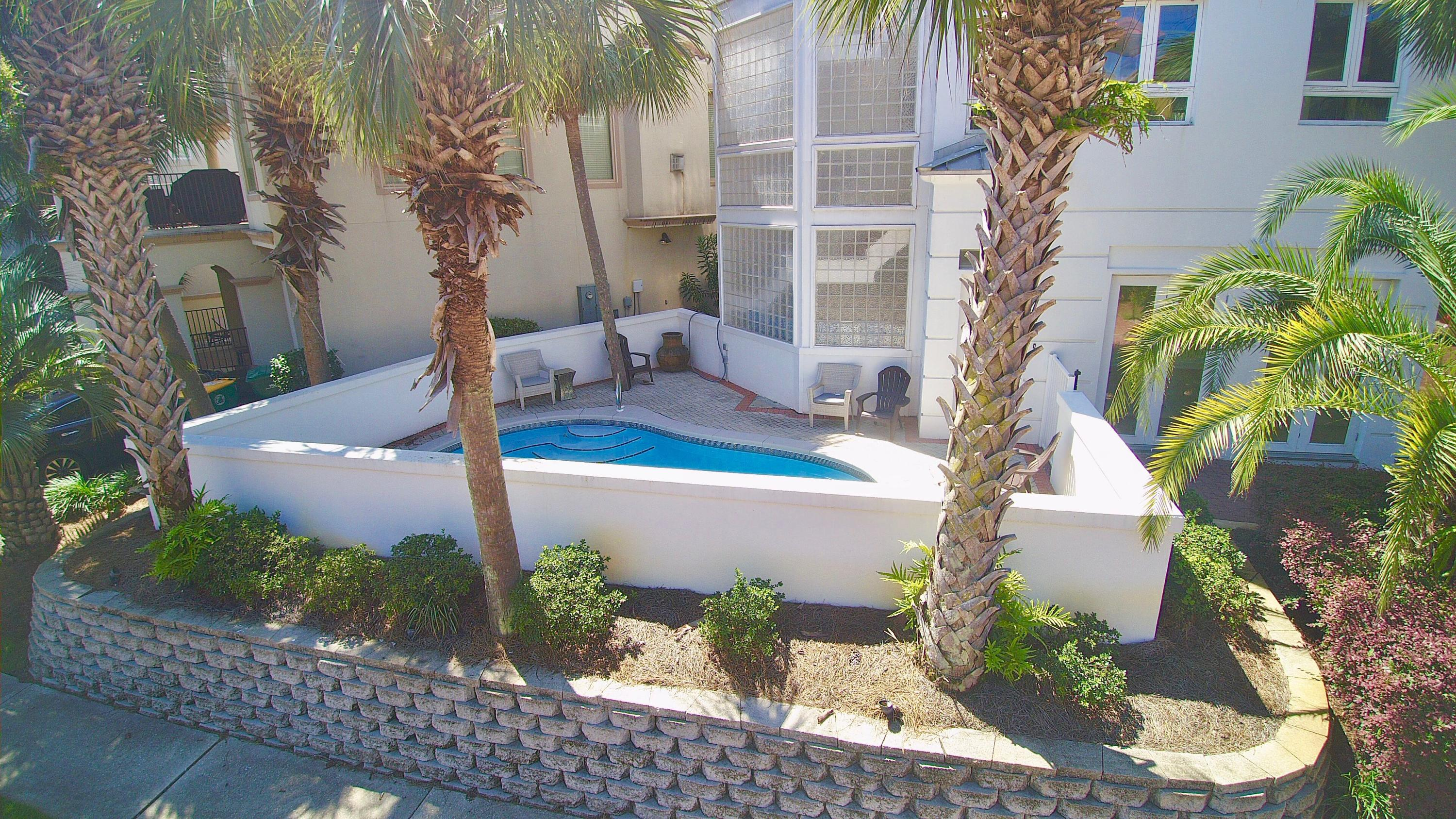 Photo of home for sale at 4835 Ocean, Destin FL