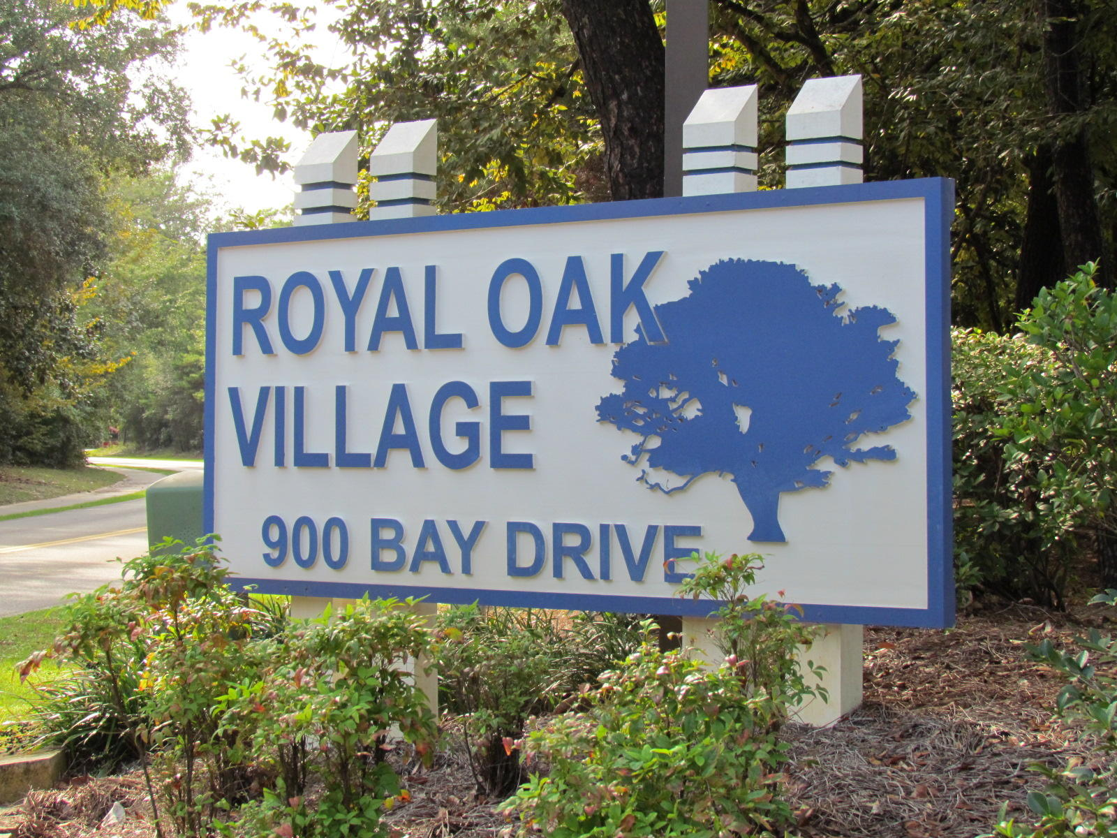 A 2 Bedroom 2 Bedroom Royal Oak Village Rental