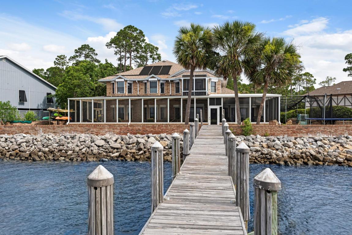A 6 Bedroom 5 Bedroom Dolphin Point Estates Rental