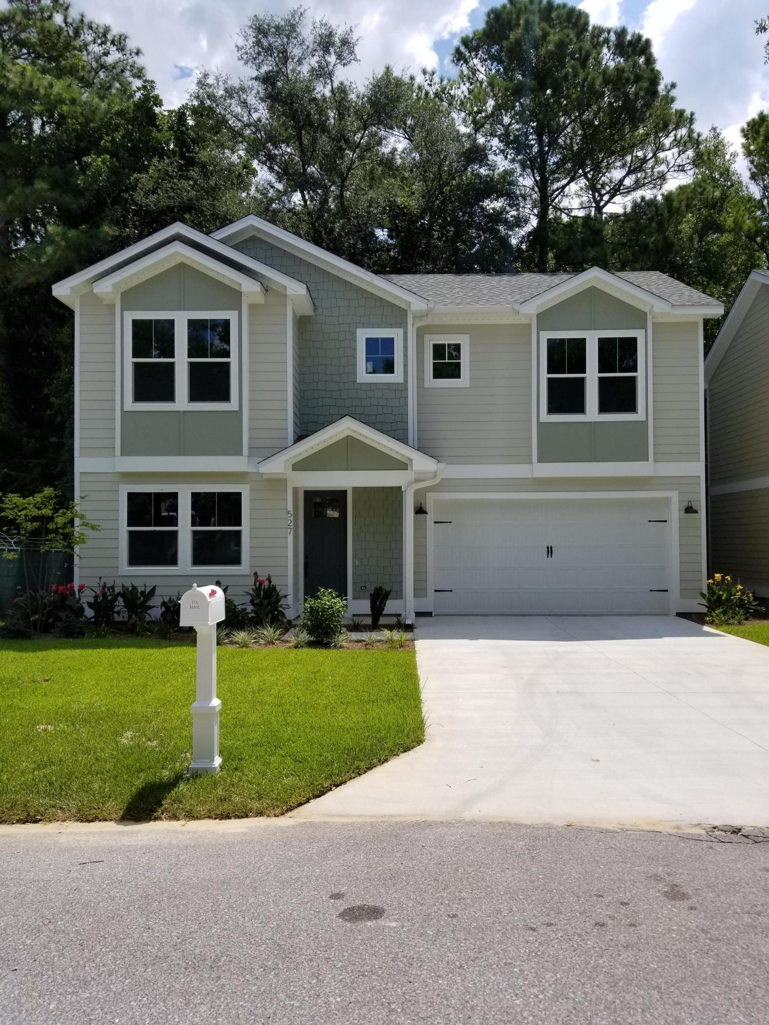 Photo of home for sale at 527 Maple, Niceville FL