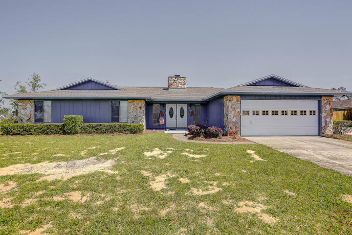 Photo of home for sale at 358 Bell, Lynn Haven FL