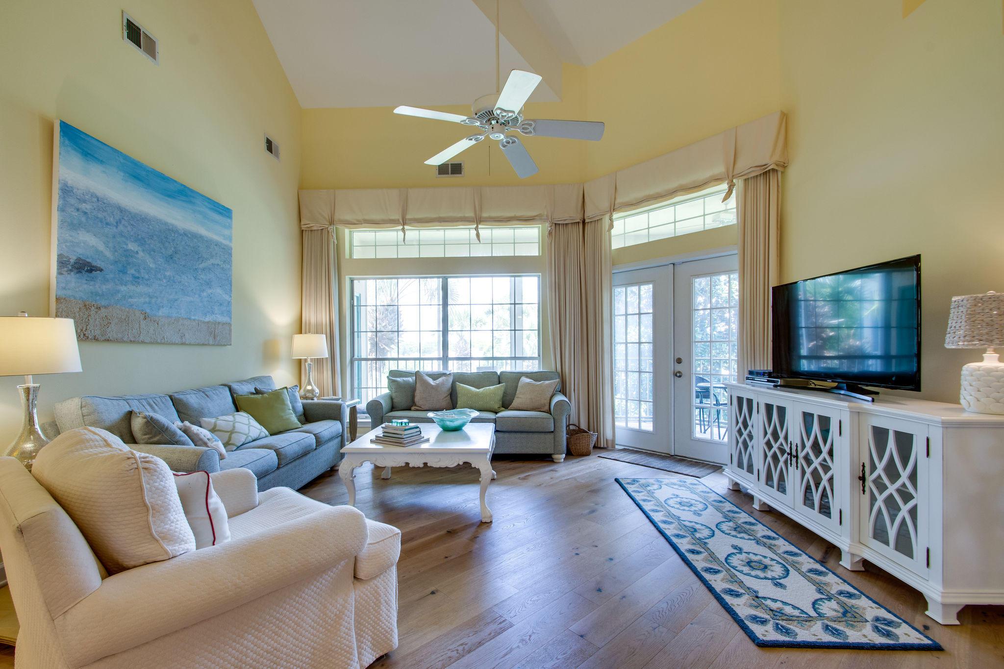 A 4 Bedroom 4 Bedroom Tivoli By The Sea 2 Condominium