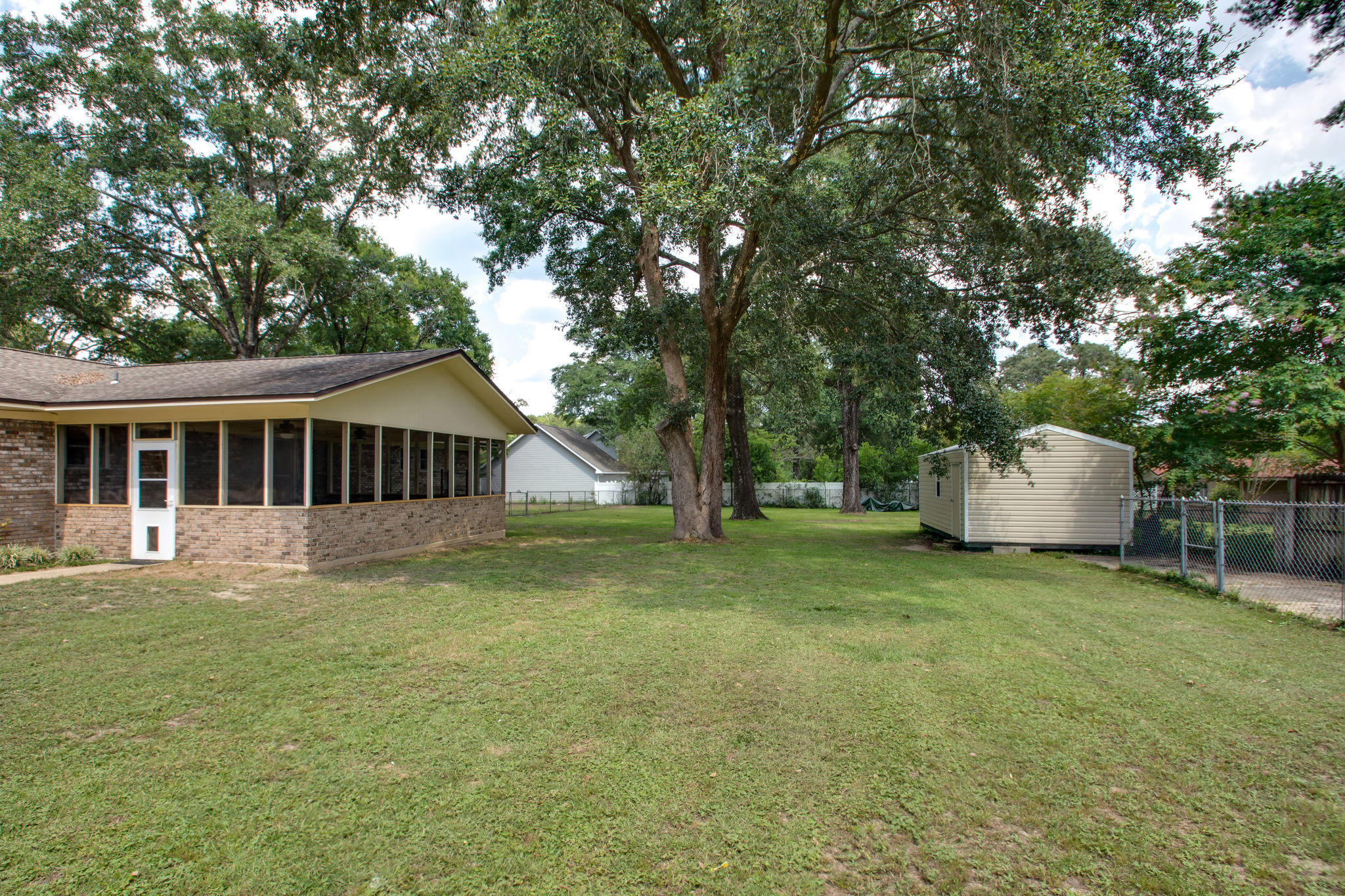 Photo of home for sale at 1525 Texas, Crestview FL