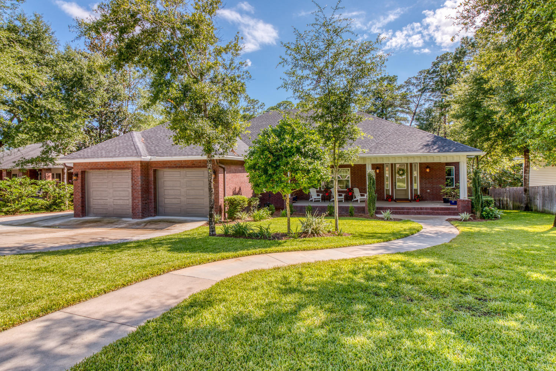 858  Coldwater Creek Circle, Niceville, Florida