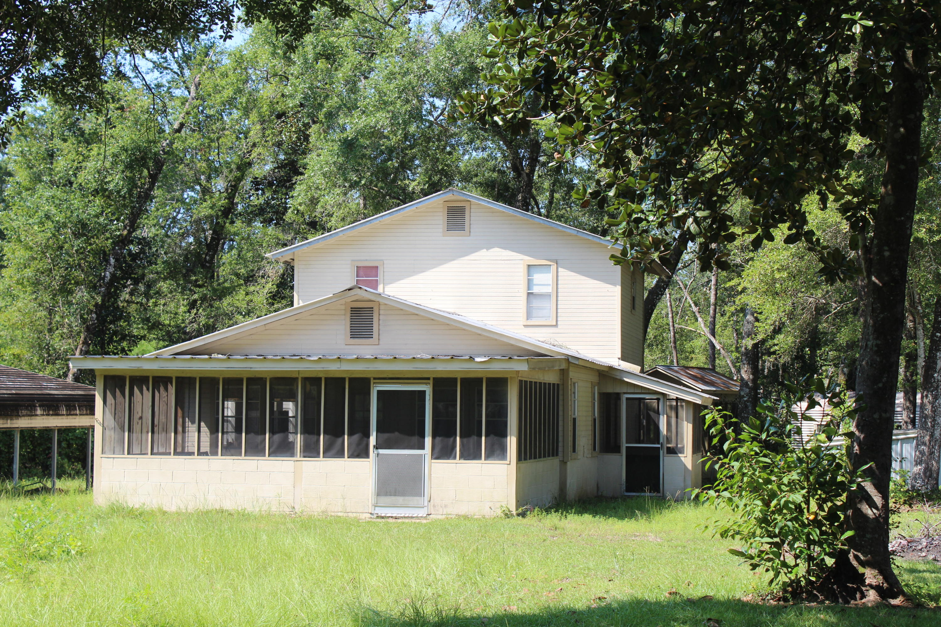 Photo of home for sale at 174 Rooks Bluff, Ponce De Leon FL