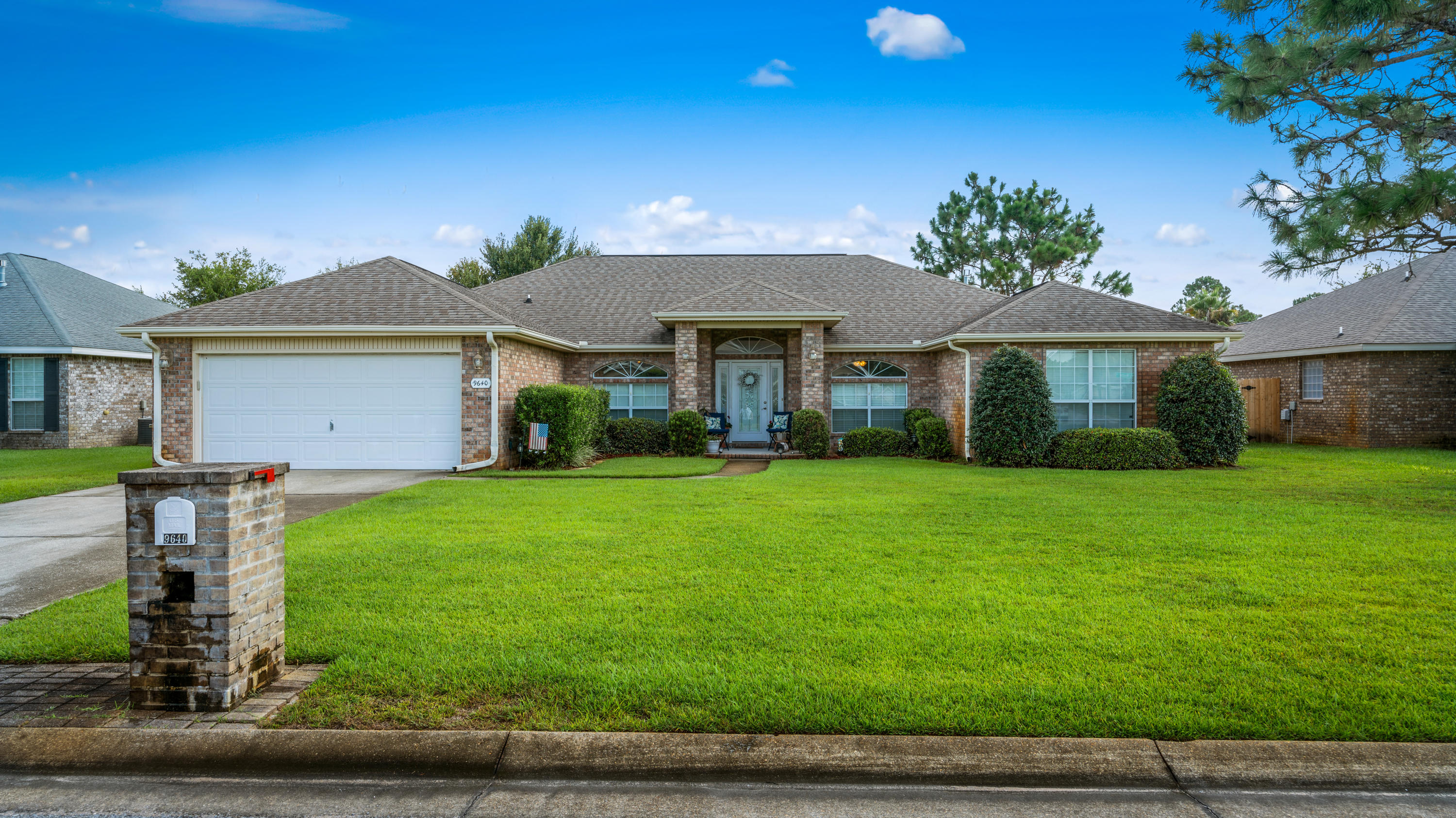 Photo of home for sale at 9640 Misty Meadow, Navarre FL