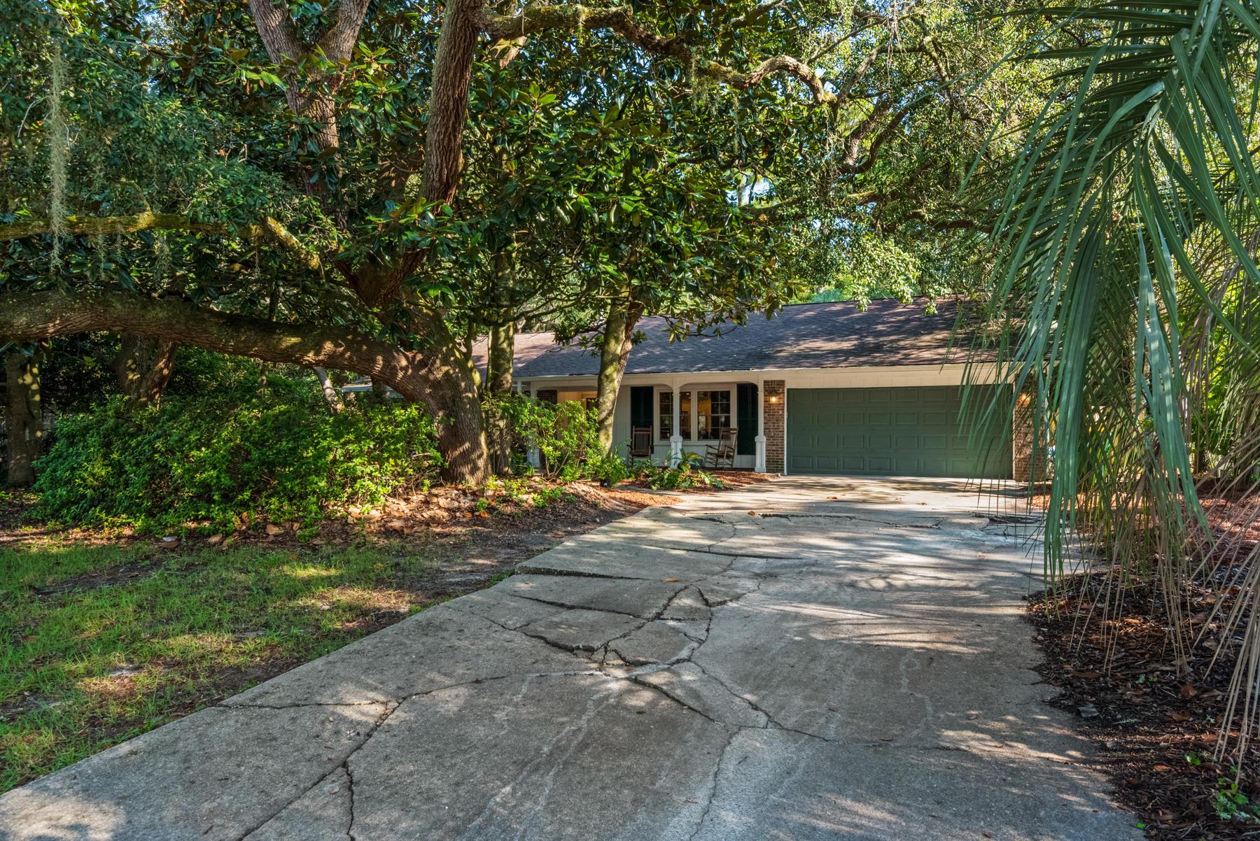 Photo of home for sale at 1007 Darlington Oak, Niceville FL
