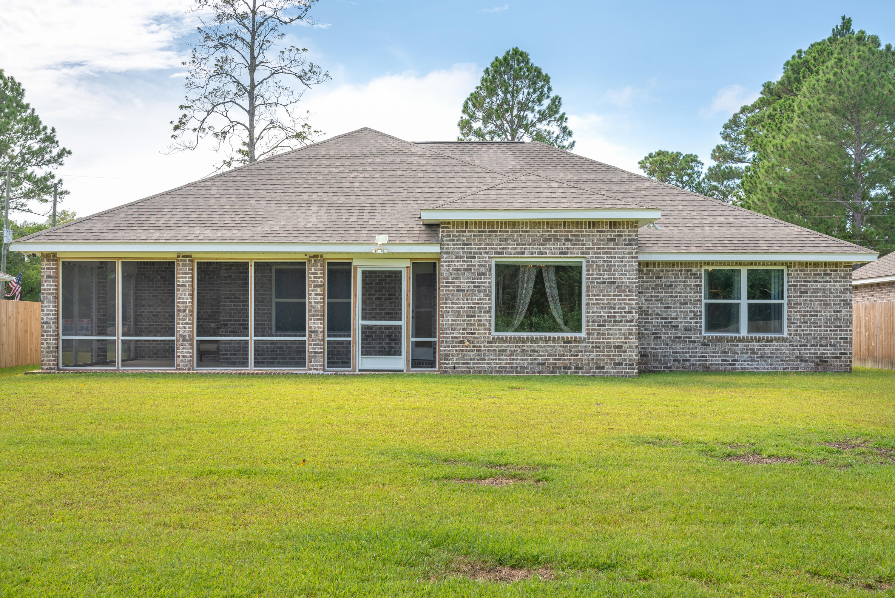 Photo of home for sale at 2722 Ola Broxson, Navarre FL