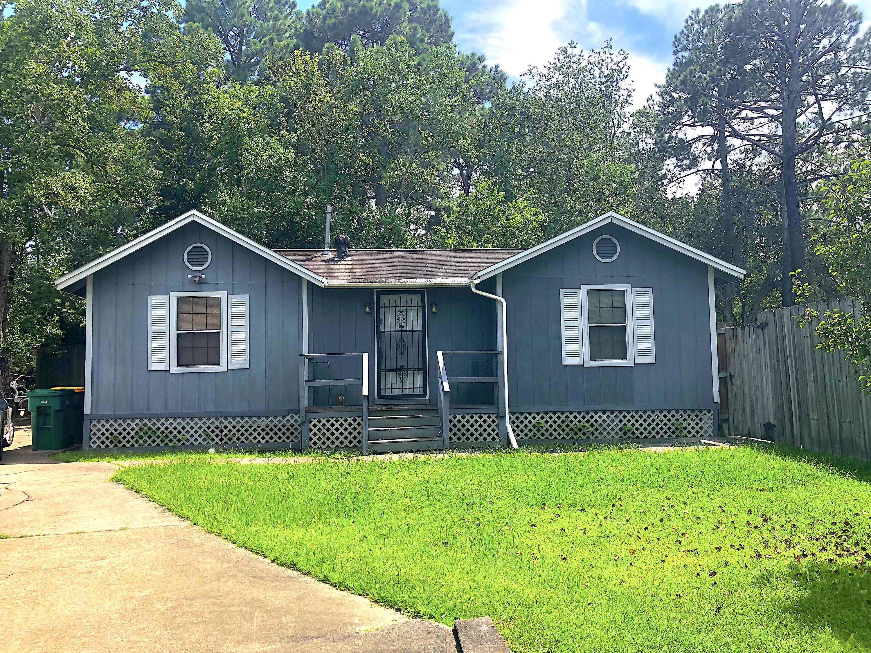 Photo of home for sale at 432 Zion, Fort Walton Beach FL