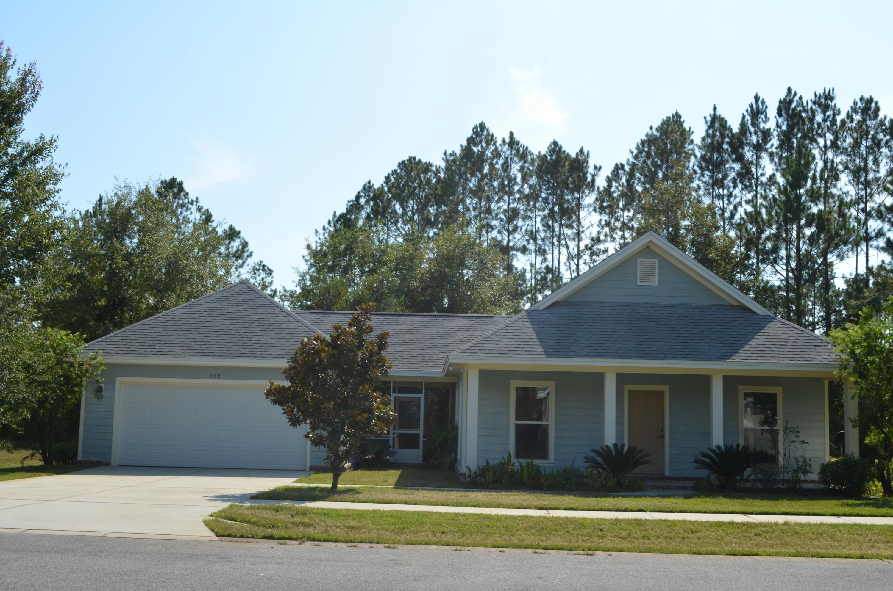 Photo of home for sale at 102 Perimeter, Freeport FL