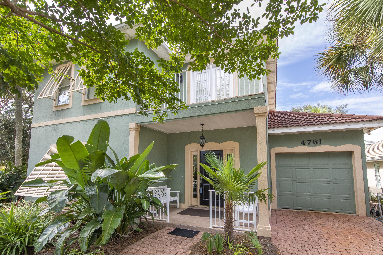 Photo of home for sale at 4761 Bonaire Cay, Destin FL