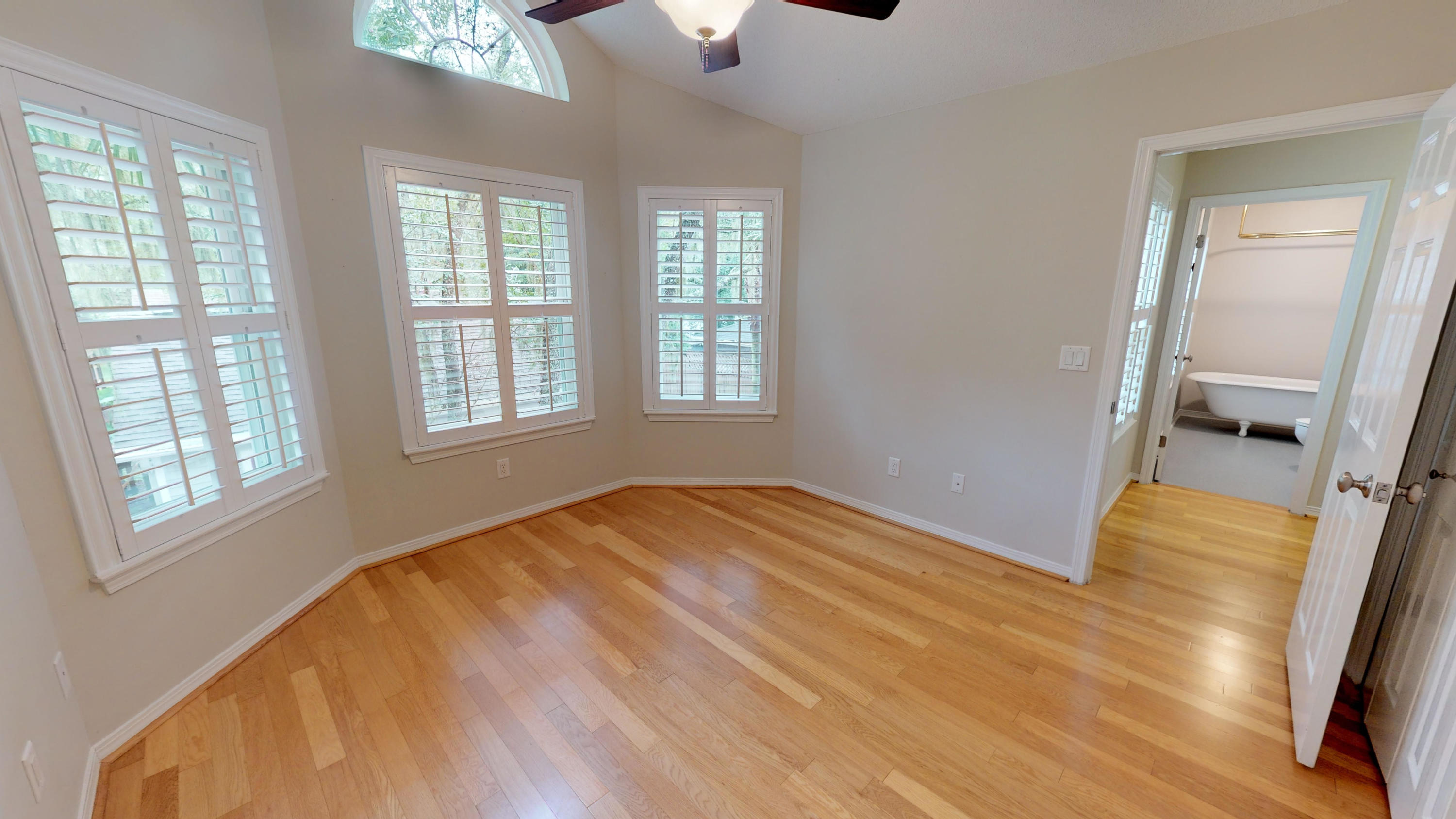 Photo of home for sale at 961 Zachary, Fort Walton Beach FL