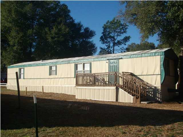 Photo of home for sale at 5310 Cavalier, Crestview FL