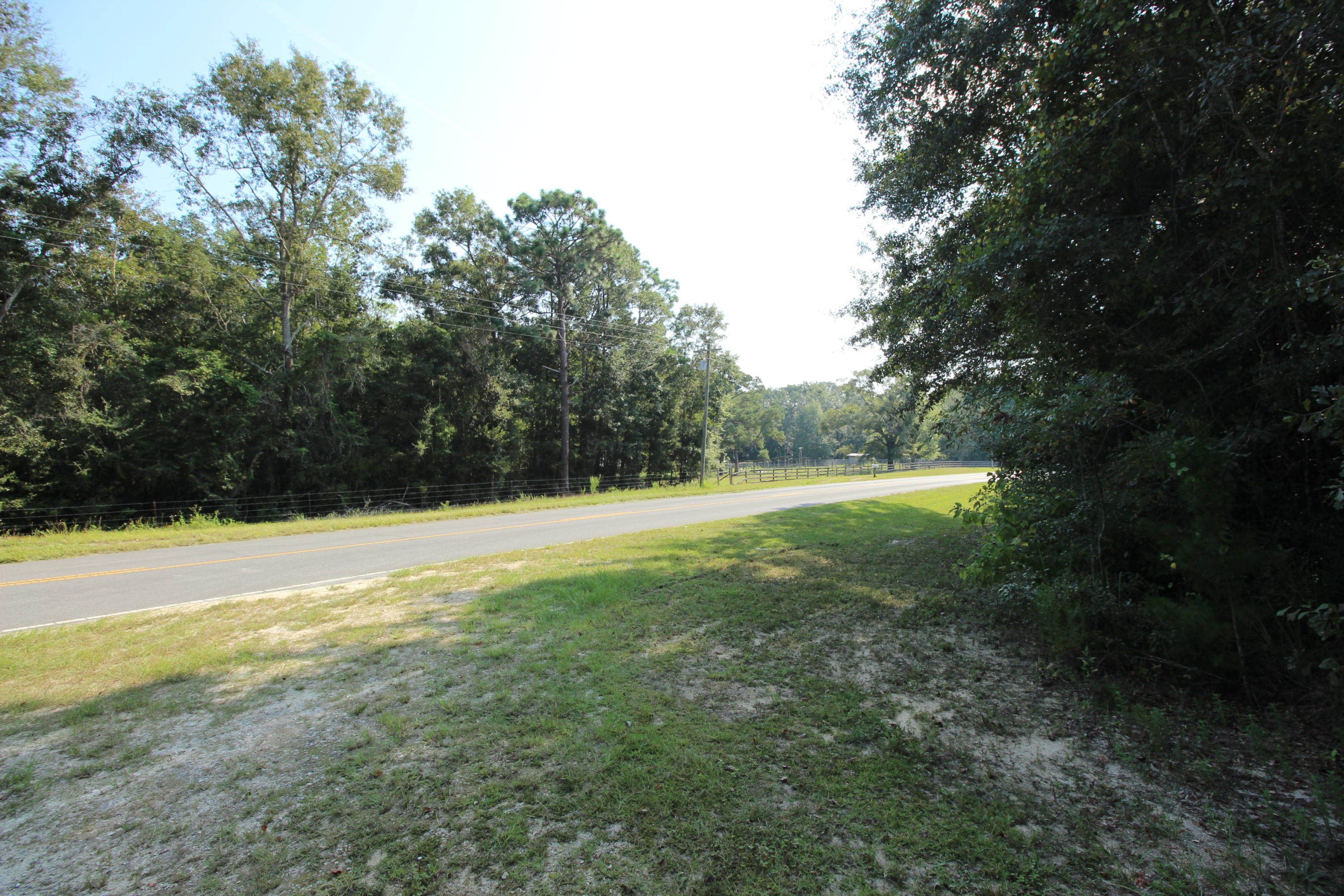 Photo of home for sale at 4032 Co Hwy 280A, Defuniak Springs FL