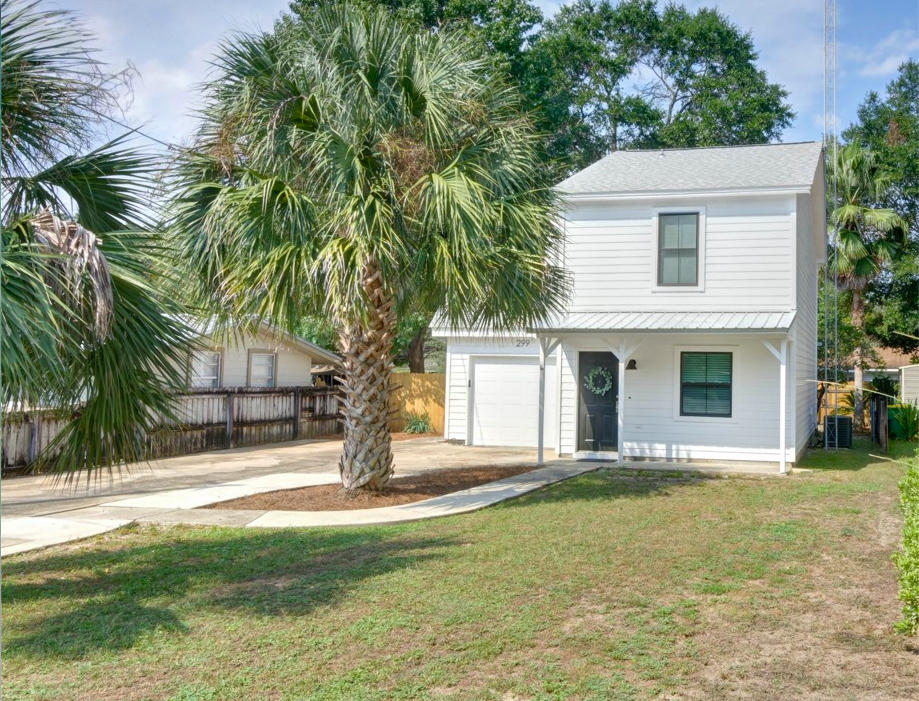 Photo of home for sale at 299 Anchors, Niceville FL
