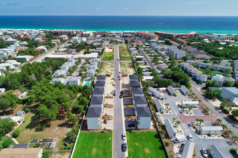 Photo of home for sale at 83 Ciboney, Miramar Beach FL