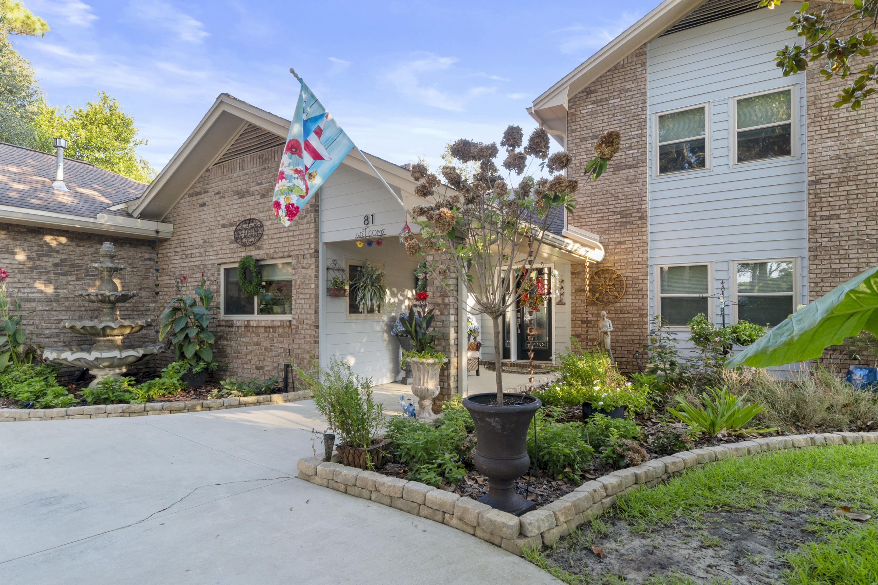 Photo of home for sale at 81 Poquito, Shalimar FL