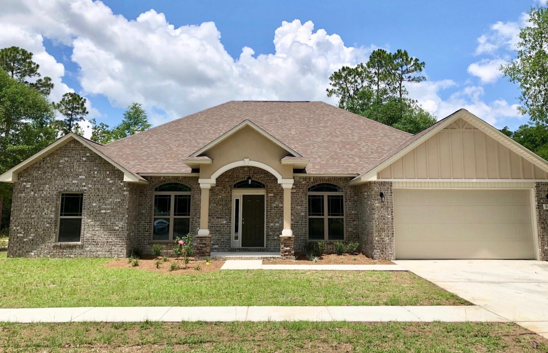 Photo of home for sale at 5334 Wyndell, Crestview FL