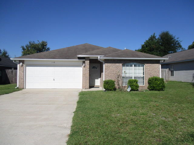 Photo of home for sale at 118 Sandstone, Crestview FL