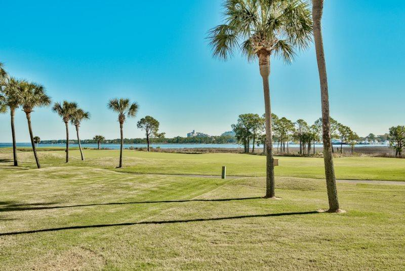Photo of home for sale at 819 Harbour Point, Miramar Beach FL