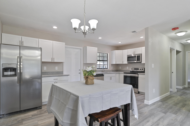 Photo of home for sale at 723 Lynn, Fort Walton Beach FL