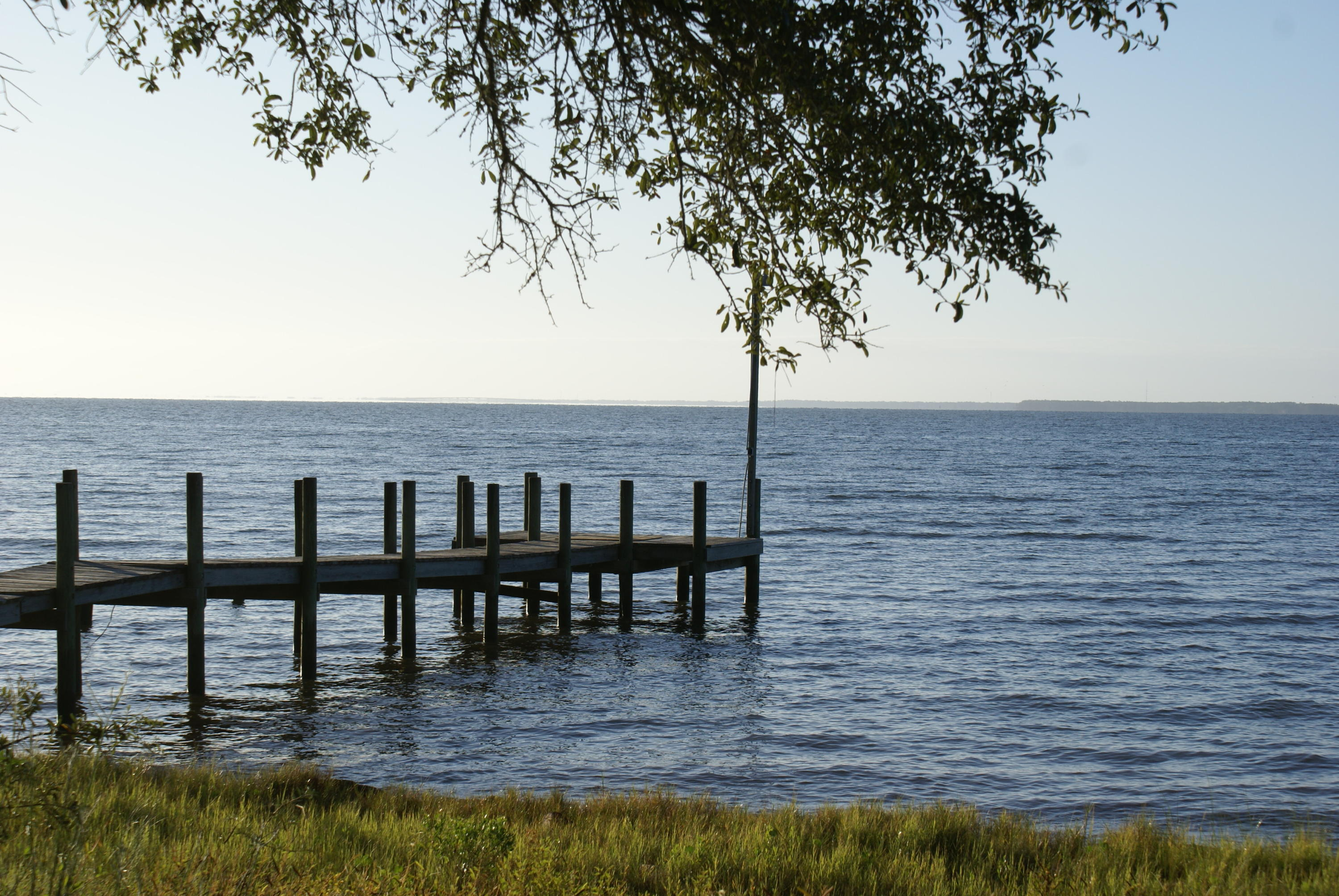 Photo of home for sale at 378 Bayshore, Freeport FL