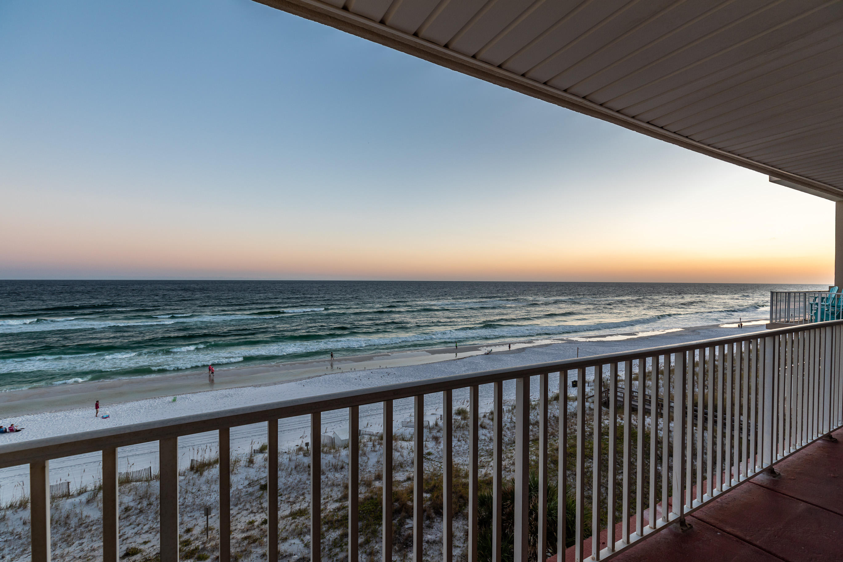 Photo of home for sale at 670 Nautilus, Fort Walton Beach FL