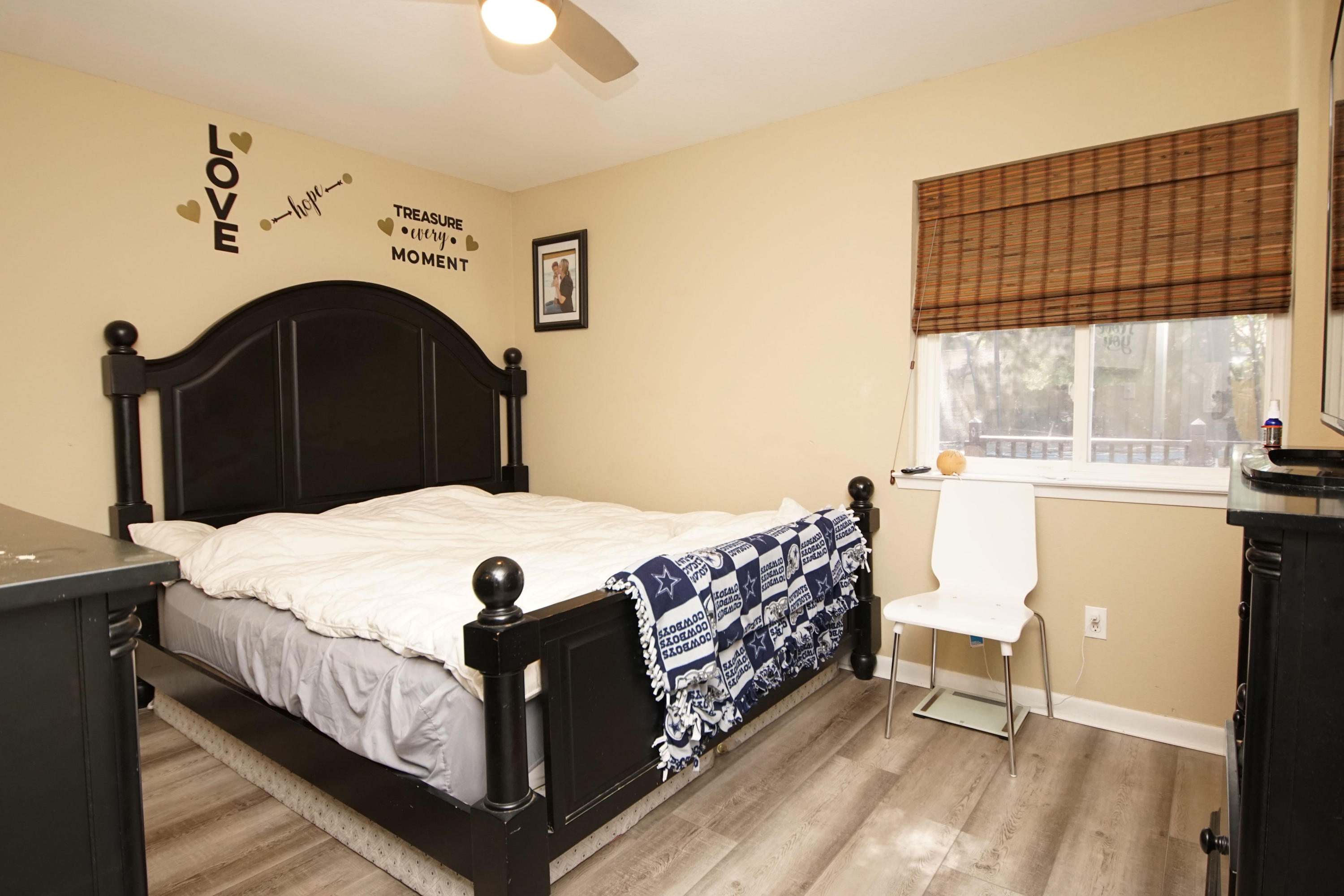 Photo of home for sale at 1129 37th, Niceville FL