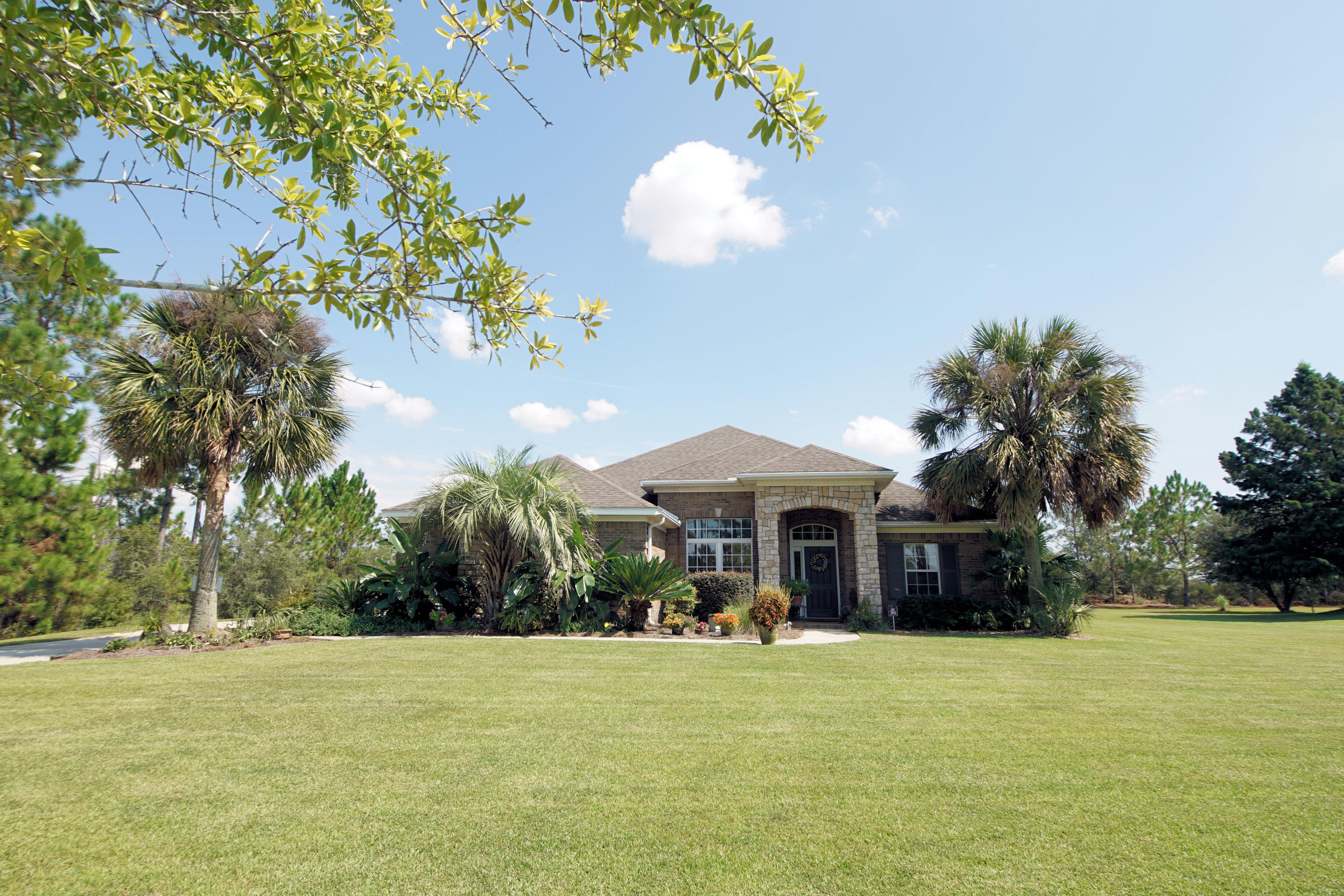 Photo of home for sale at 1347 Brushed Dunes, Freeport FL