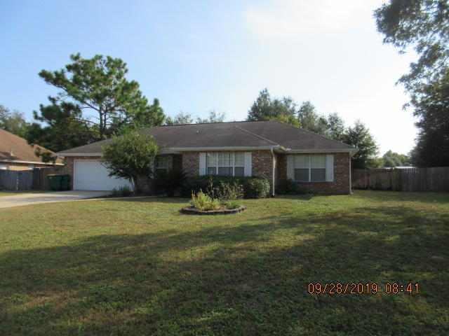 Photo of home for sale at 423 Shoal Lake, Crestview FL