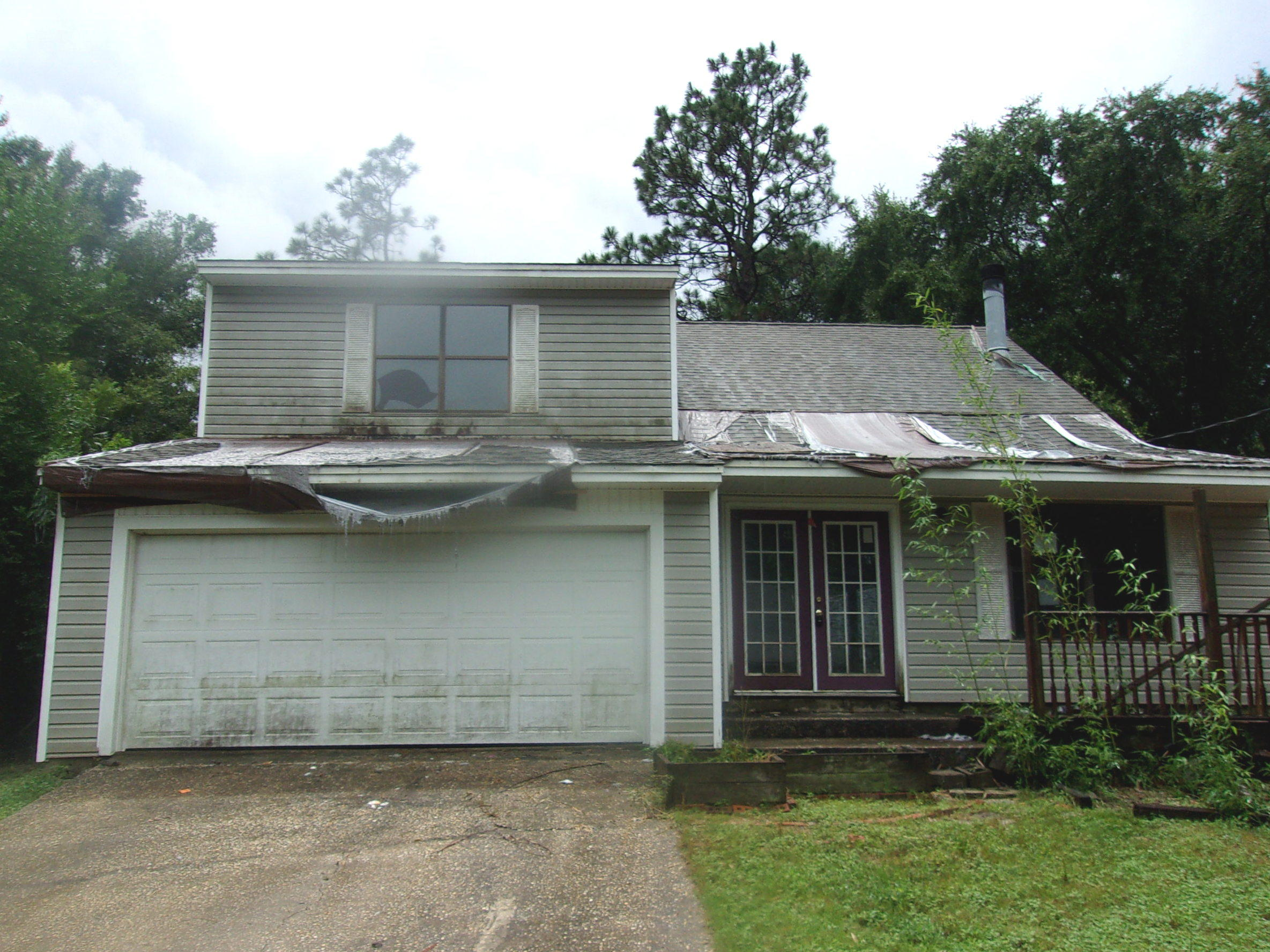 Photo of home for sale at 104 Palmetto, Crestview FL