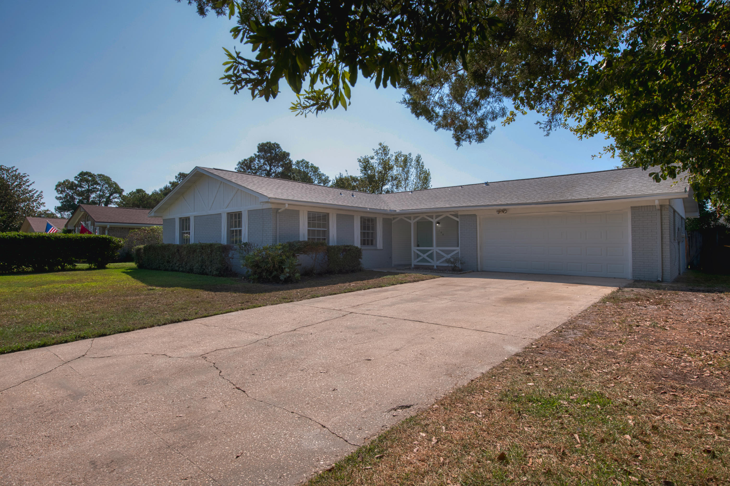 Photo of home for sale at 106 Perdido, Niceville FL