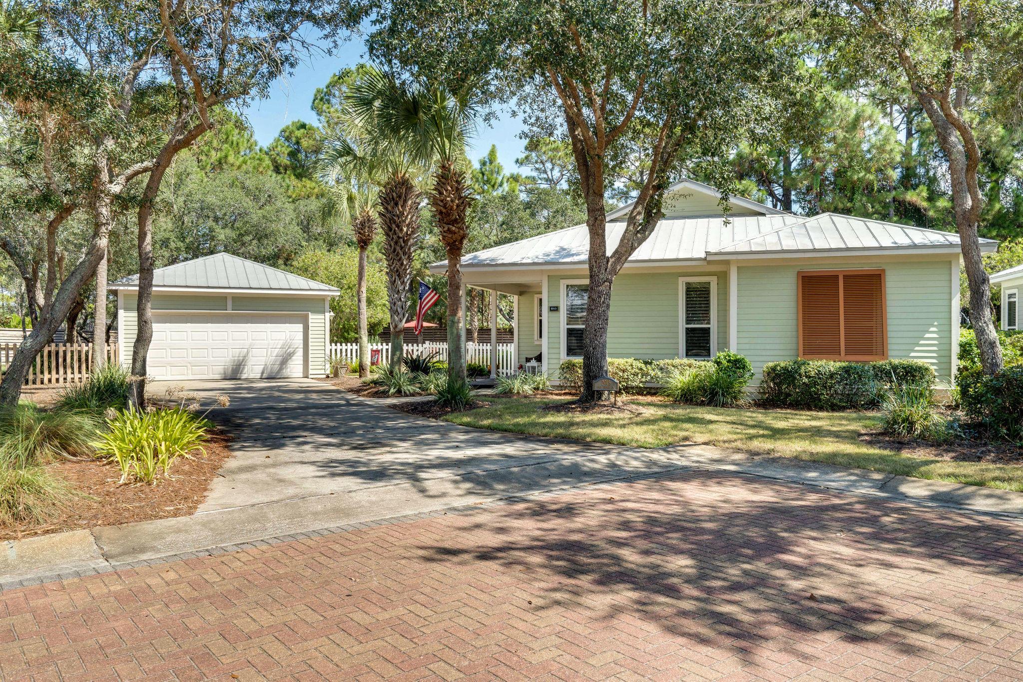 Photo of home for sale at 2015 Pine Island, Miramar Beach FL