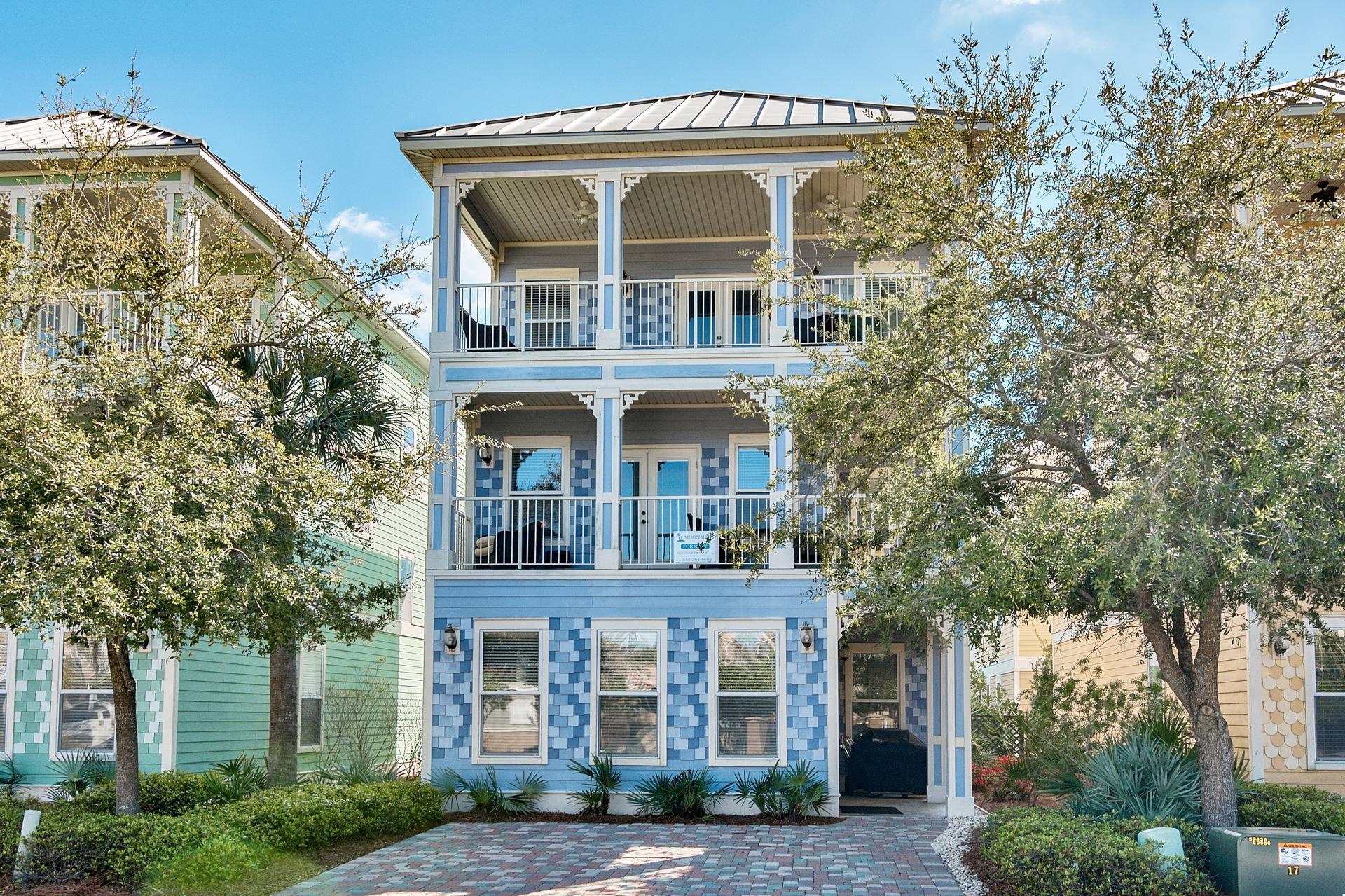 Photo of home for sale at 4552 Biscayne Bay, Destin FL