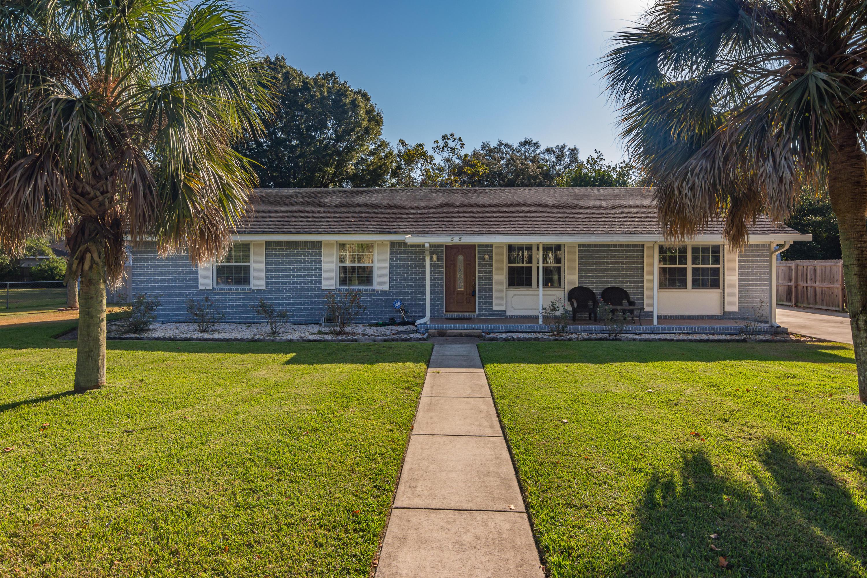 A 3 Bedroom 2 Bedroom Seminole Home