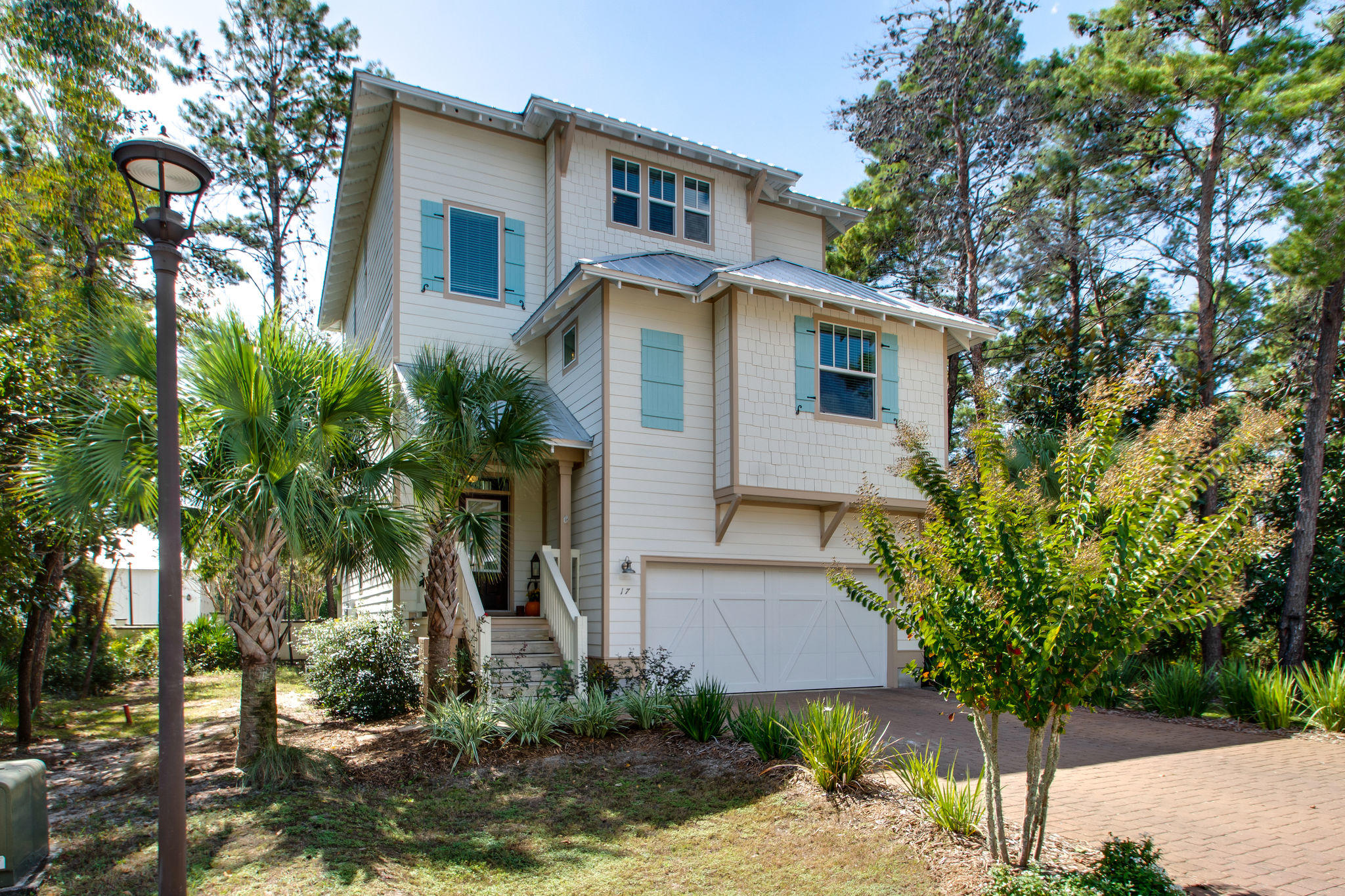 Photo of home for sale at 17 Grande Pointe, Panama City Beach FL