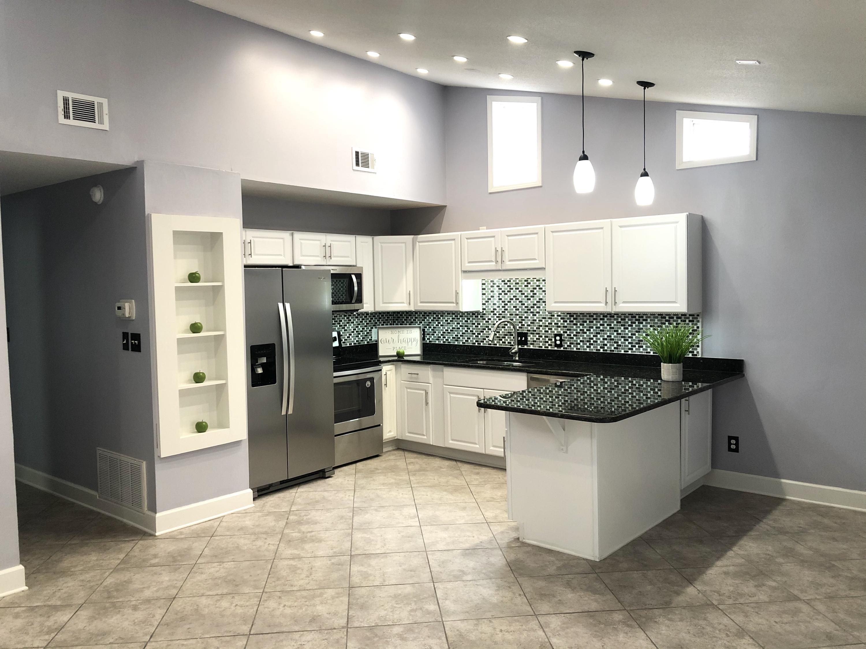 Photo of home for sale at 186 Bent Arrow Dr, Destin FL