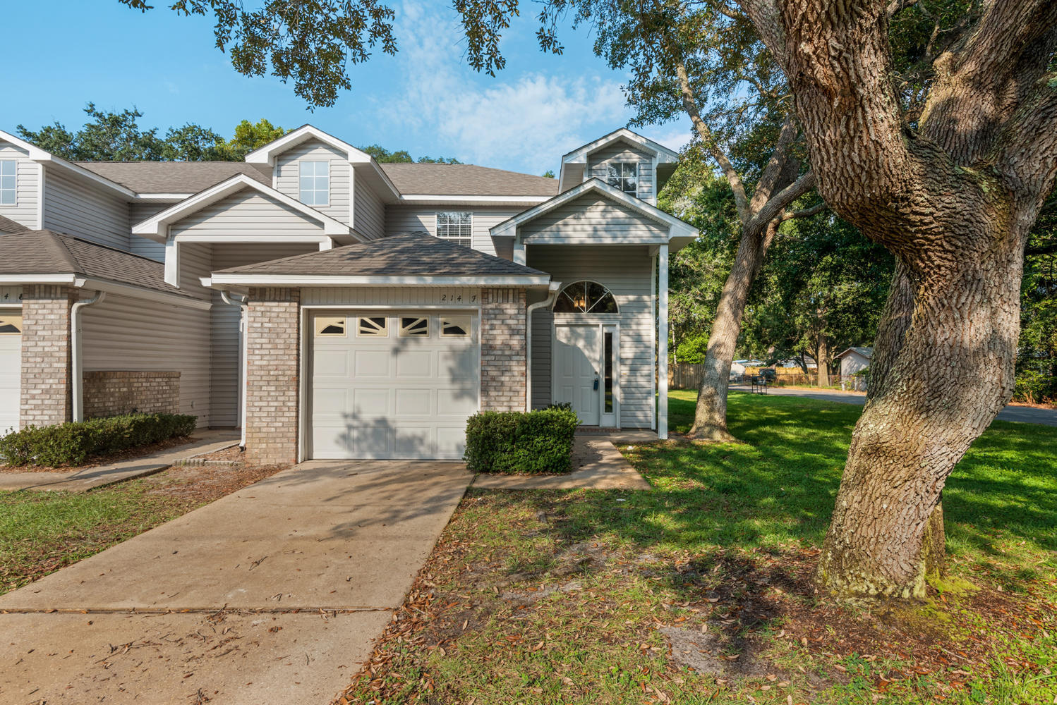 Photo of home for sale at 214 Tooke, Fort Walton Beach FL