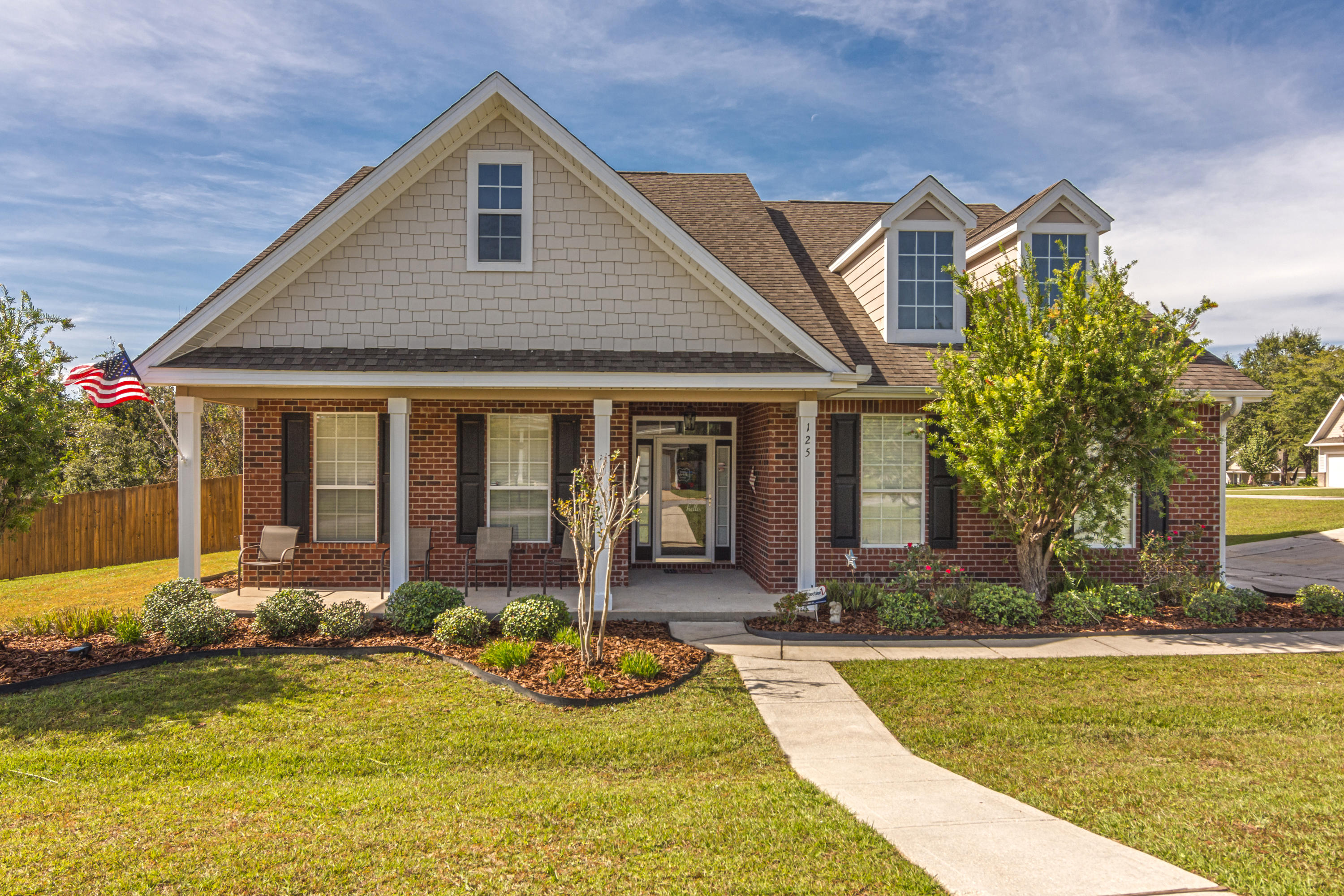 Photo of home for sale at 125 Crab Apple, Crestview FL