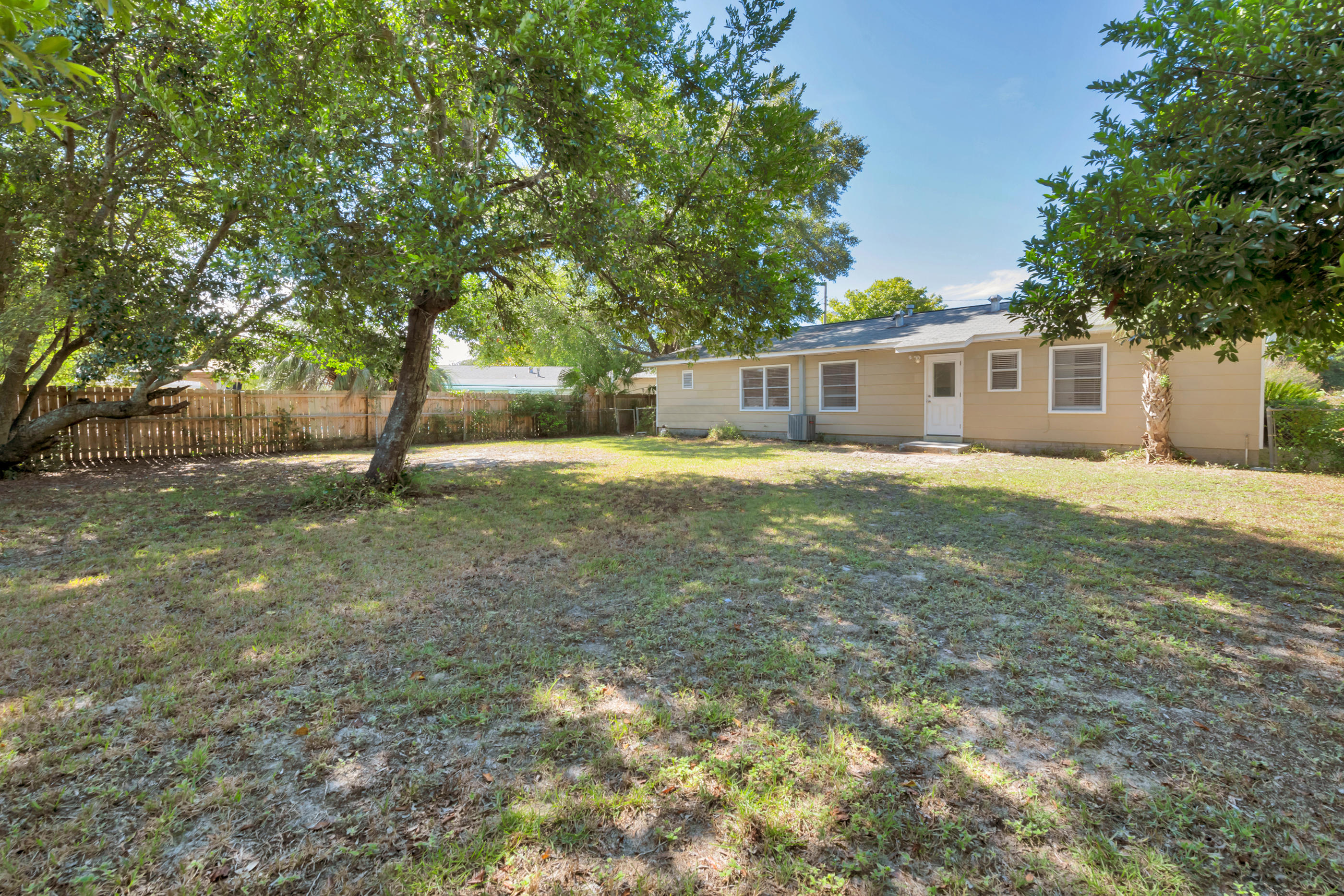 Photo of home for sale at 43 Silva, Fort Walton Beach FL