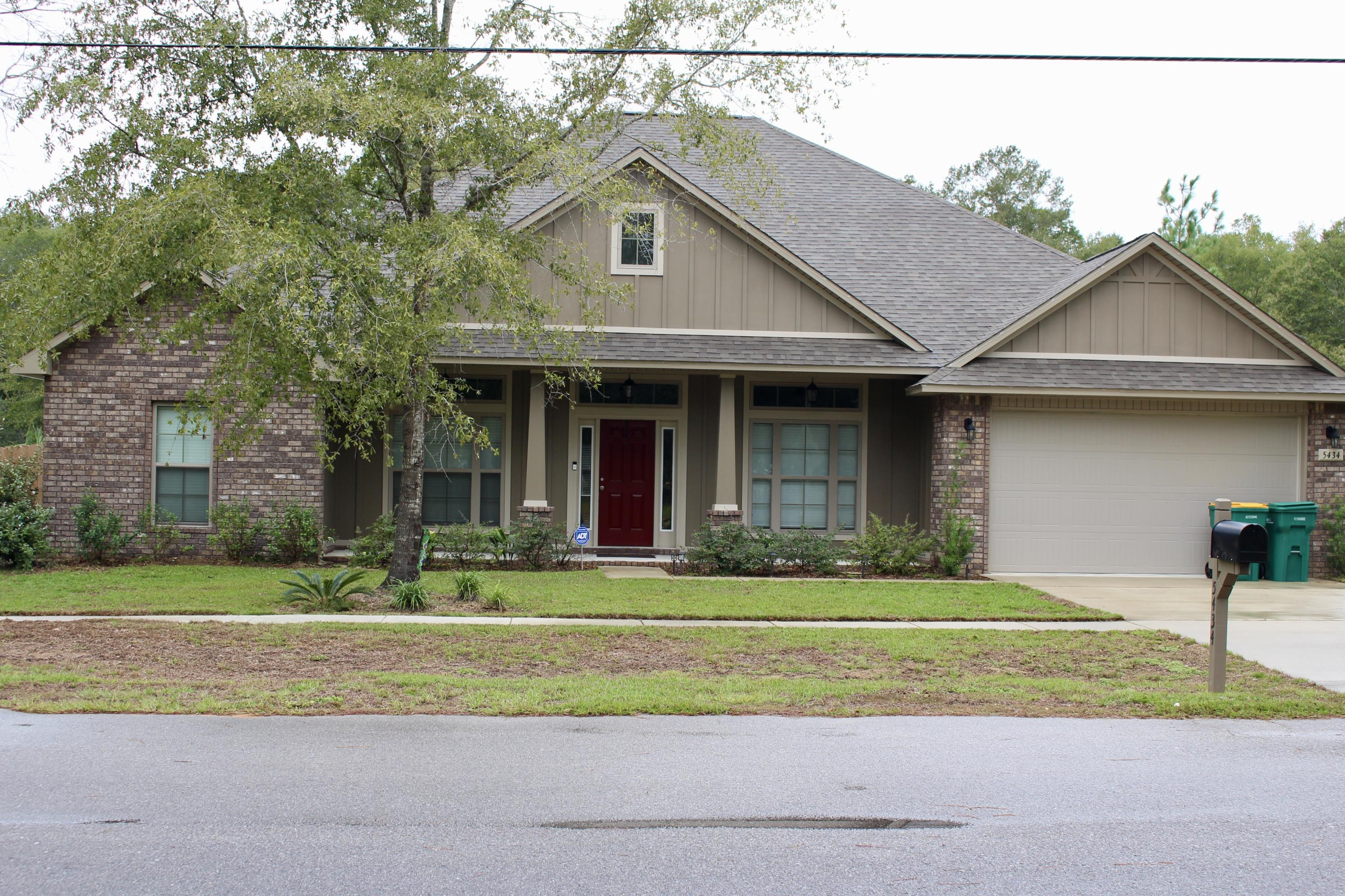 Photo of home for sale at 5434 Jenee, Crestview FL