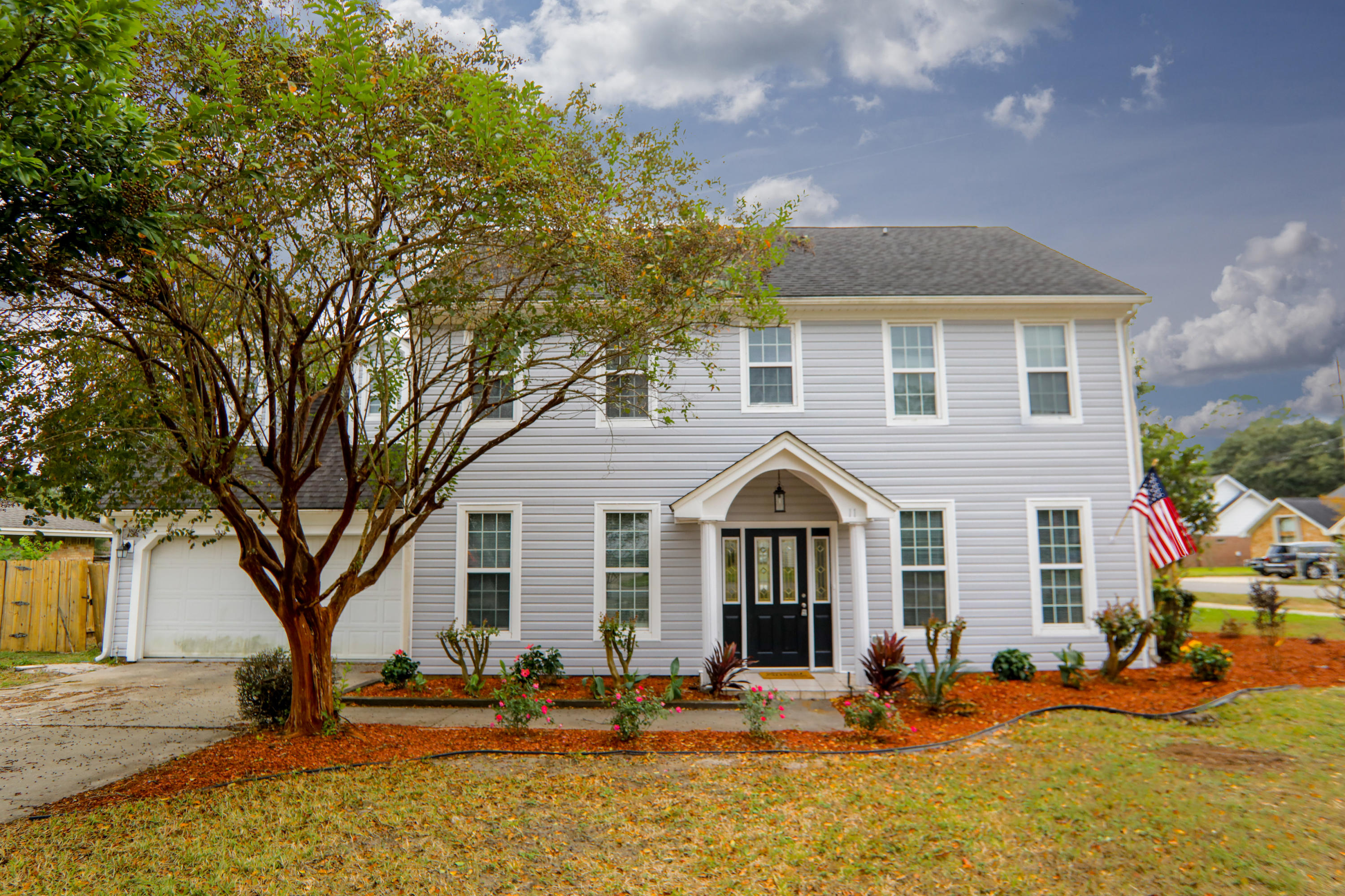 Photo of home for sale at 11 Ridgelake, Mary Esther FL