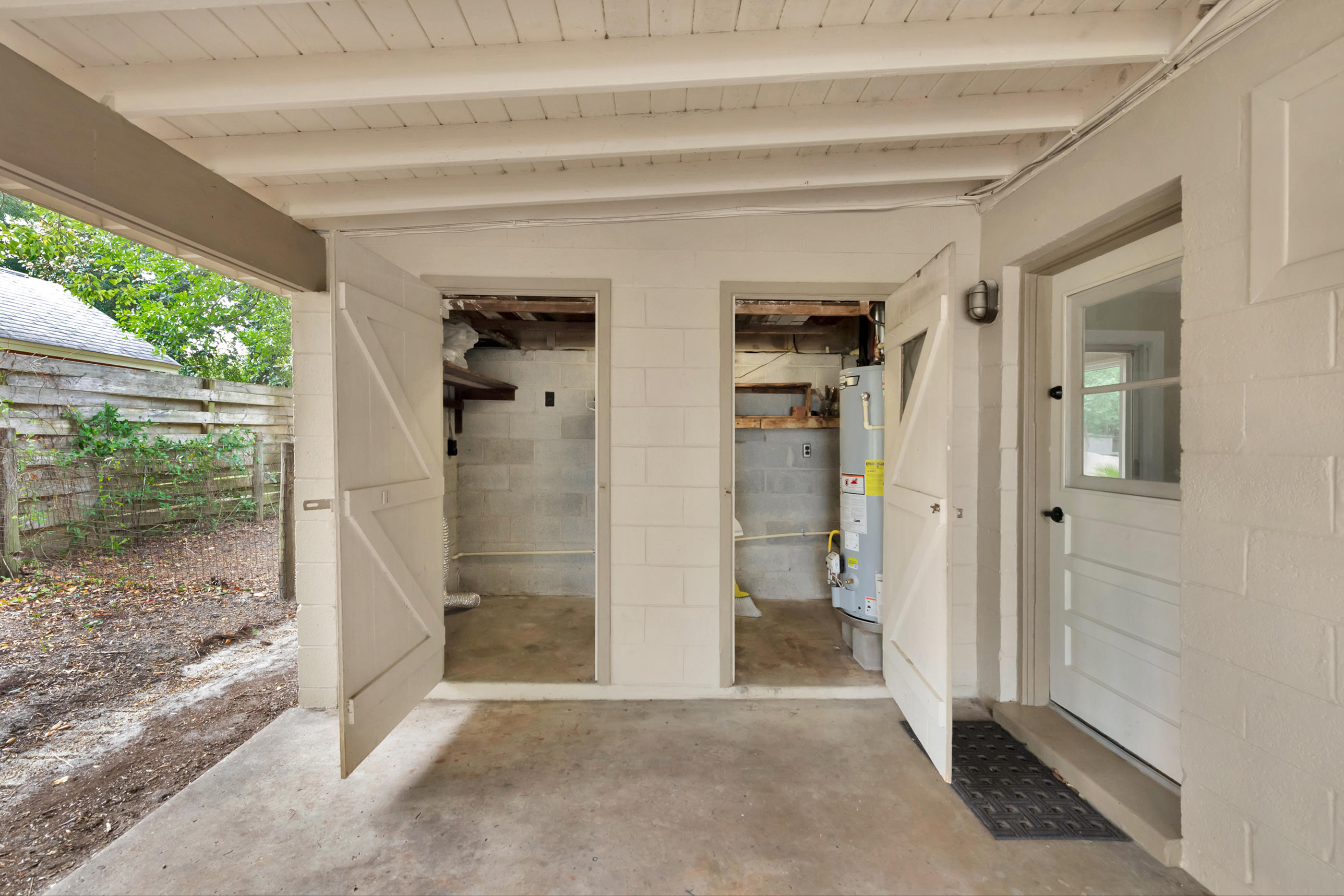 Photo of home for sale at 359 Gardner, Fort Walton Beach FL
