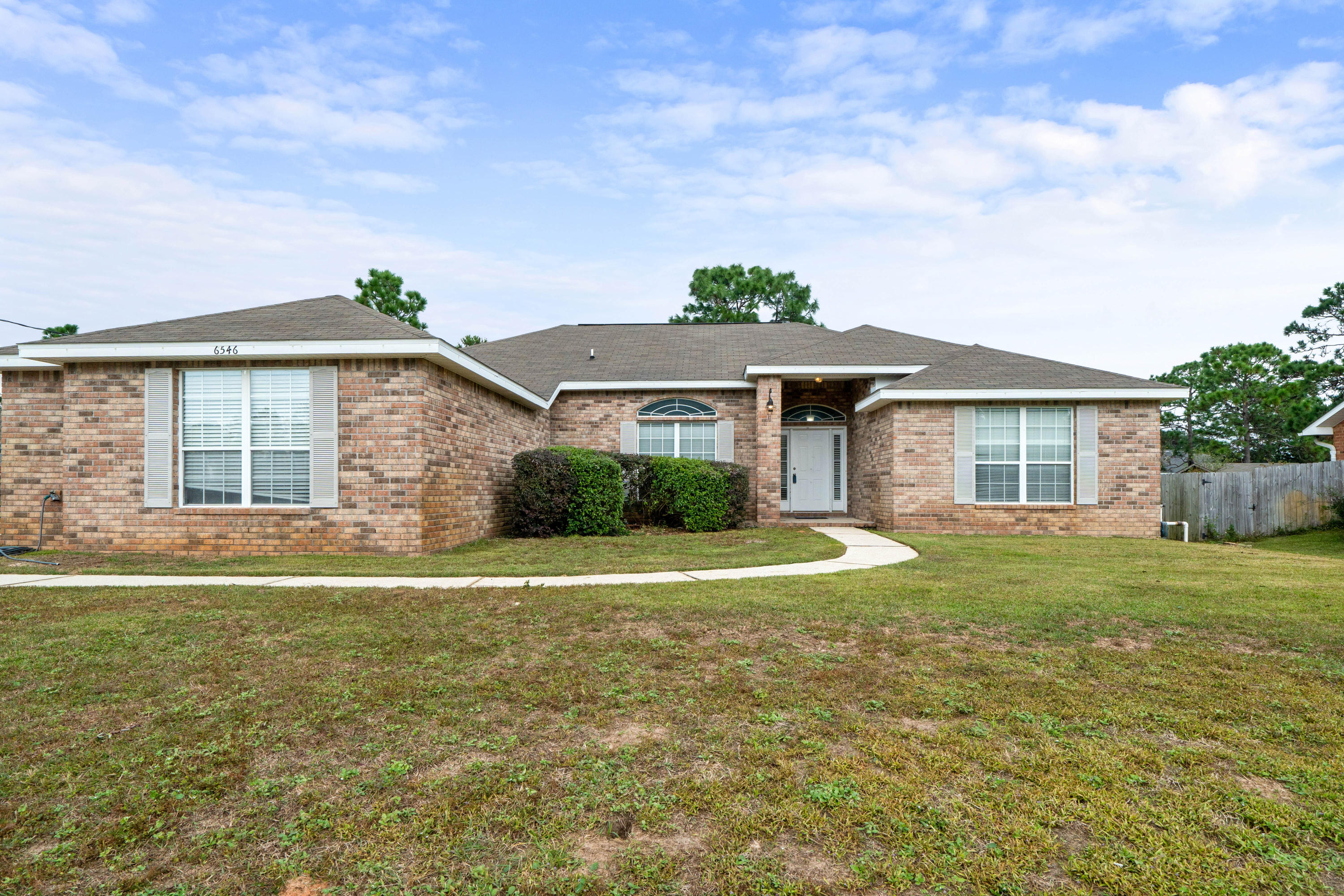 Photo of home for sale at 6546 Bellingham, Navarre FL