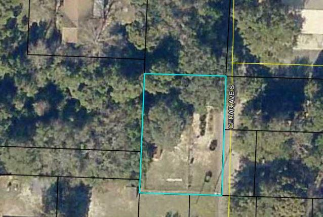 Photo of home for sale at 1321 Cedar, Niceville FL